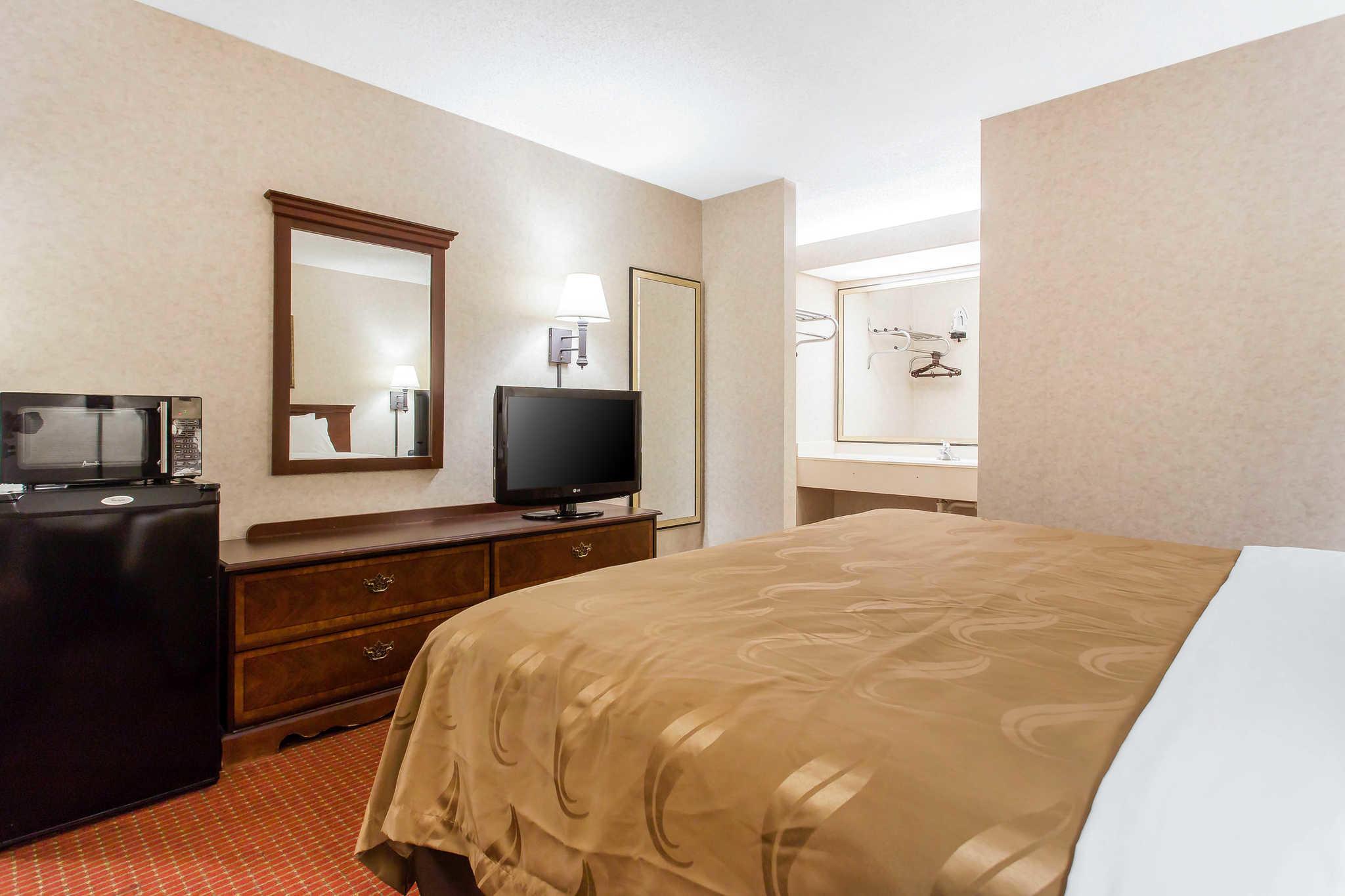Quality Inn Mount Airy Mayberry image 27