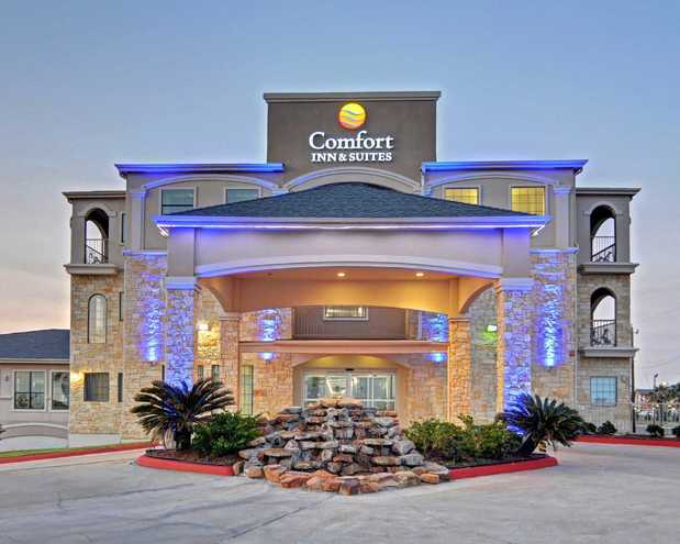 Comfort Inn Amp Suites Beachfront In Galveston Tx 77551