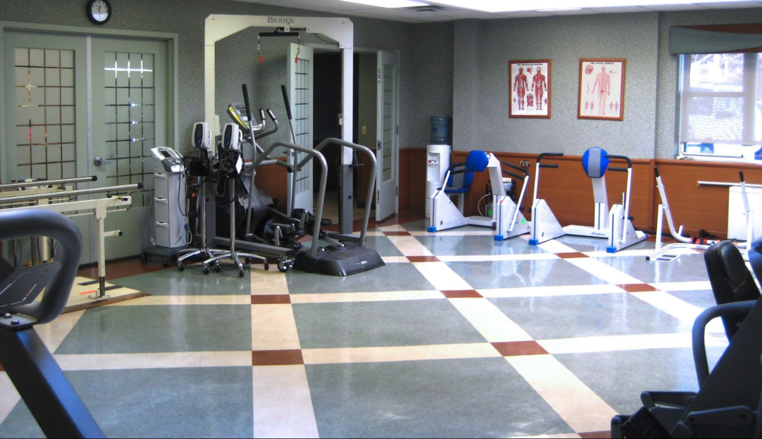 The Grand Rehabilitation And Nursing At Queens image 3
