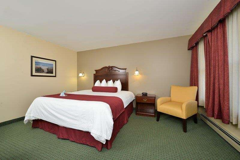 Best Western The Hotel Chequamegon image 41