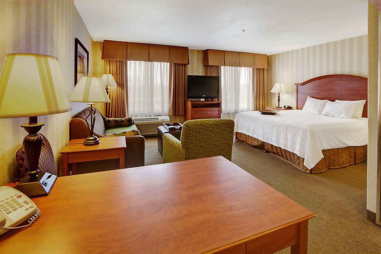 Hampton Inn & Suites Yuma image 17