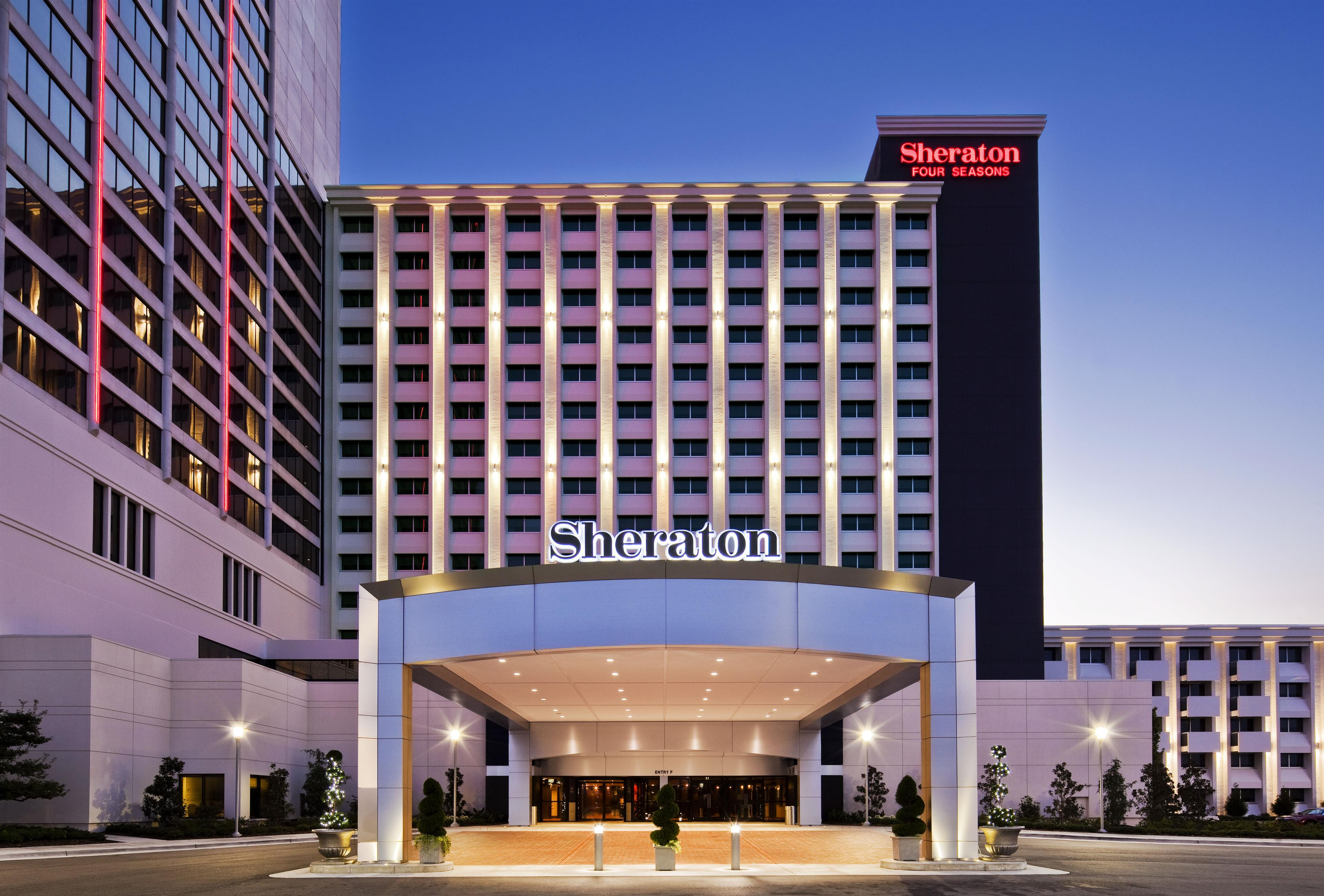 Plan your Hawaiian vacation to Maui, Oahu, the Big Island, or Kauai at any of our Sheraton, Westin, Luxury Collection or St. Regis properties.