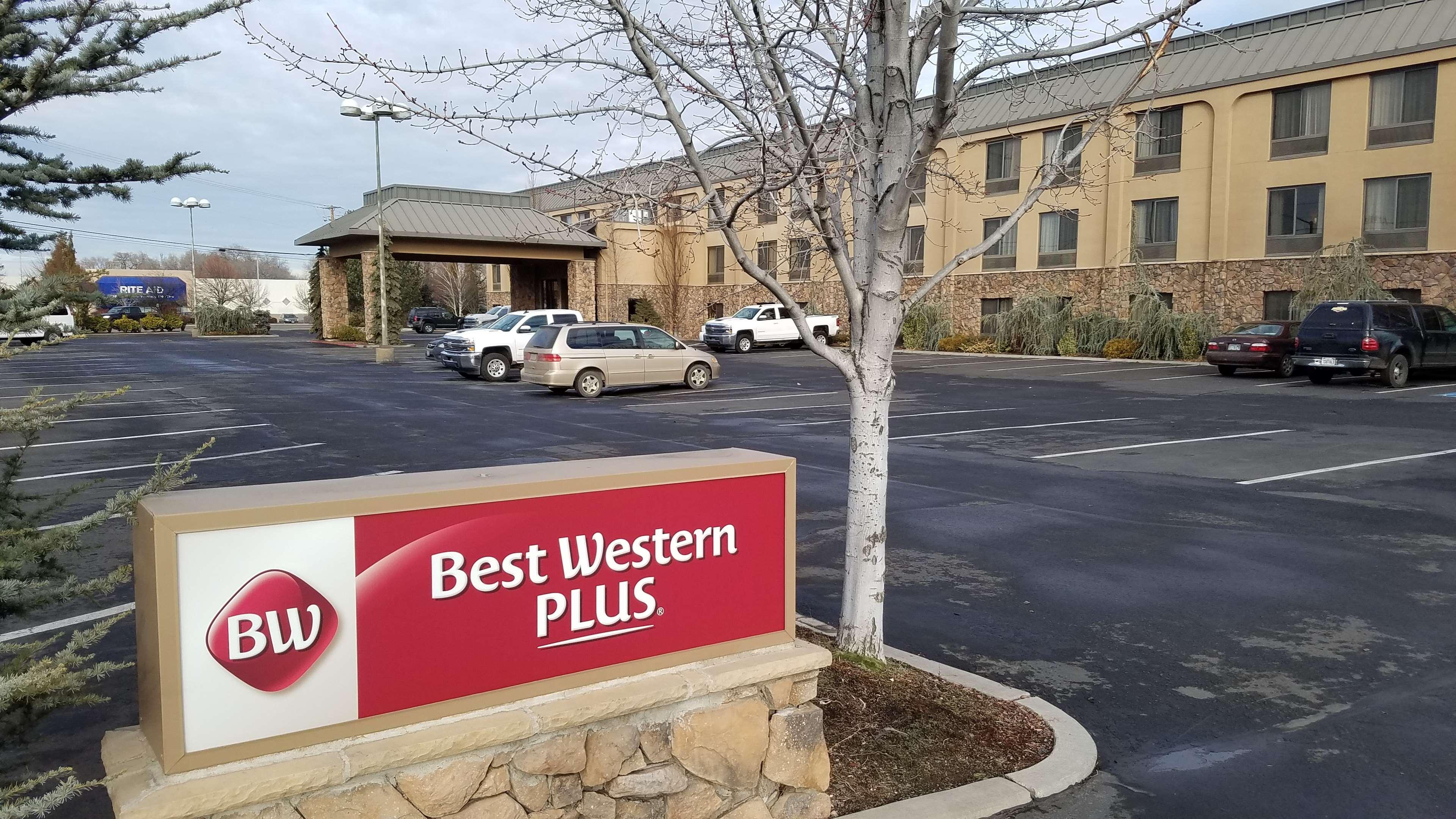 Best Western Plus Olympic Inn image 0