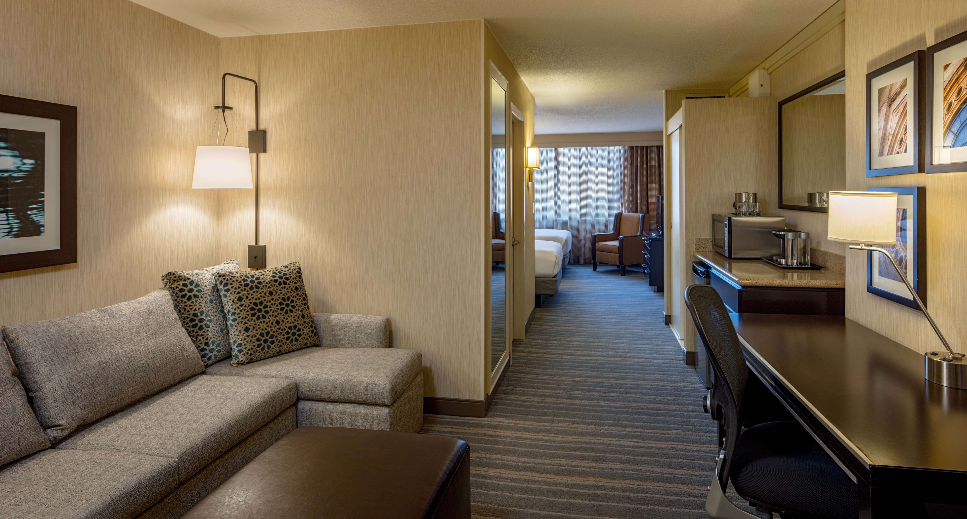 DoubleTree Suites by Hilton Hotel Minneapolis image 17
