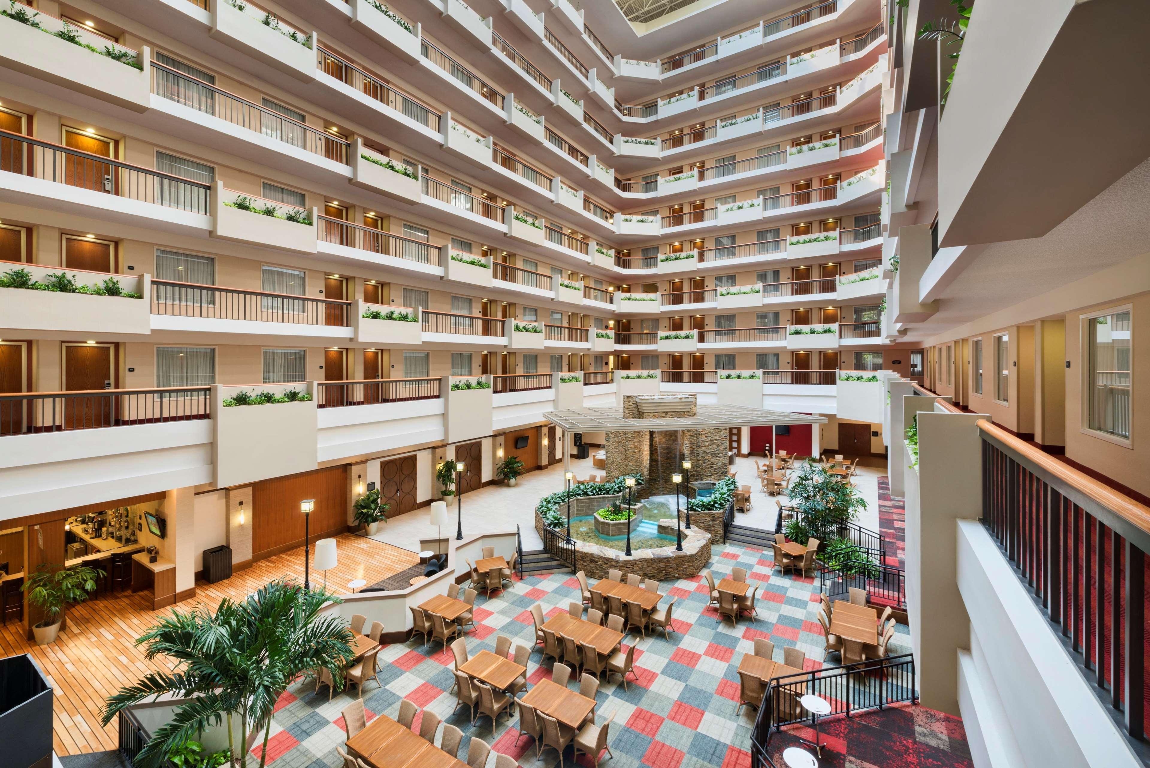 Embassy Suites by Hilton Atlanta Perimeter Center image 15