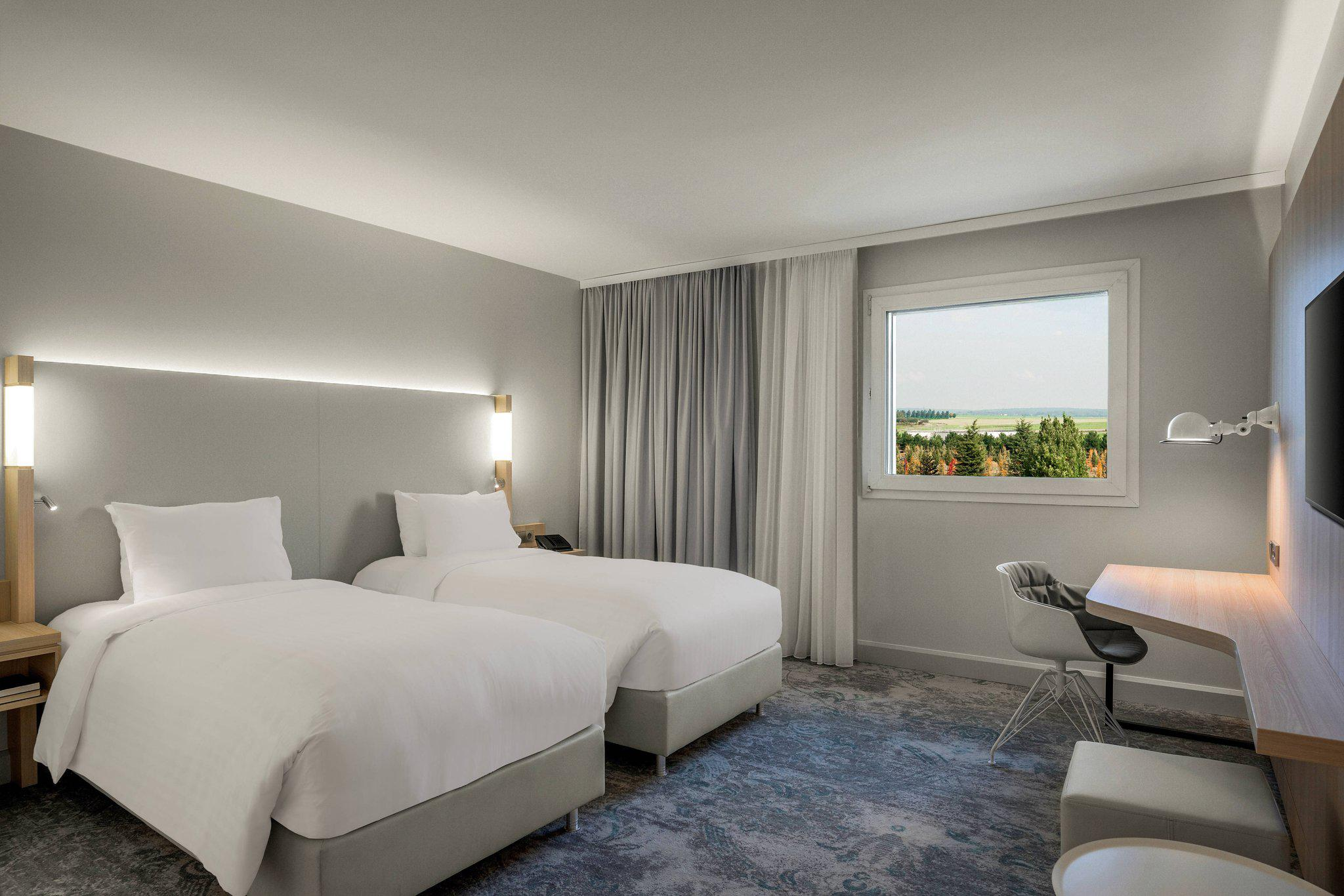 Courtyard by Marriott Paris Roissy Charles de Gaulle Airport Hotel