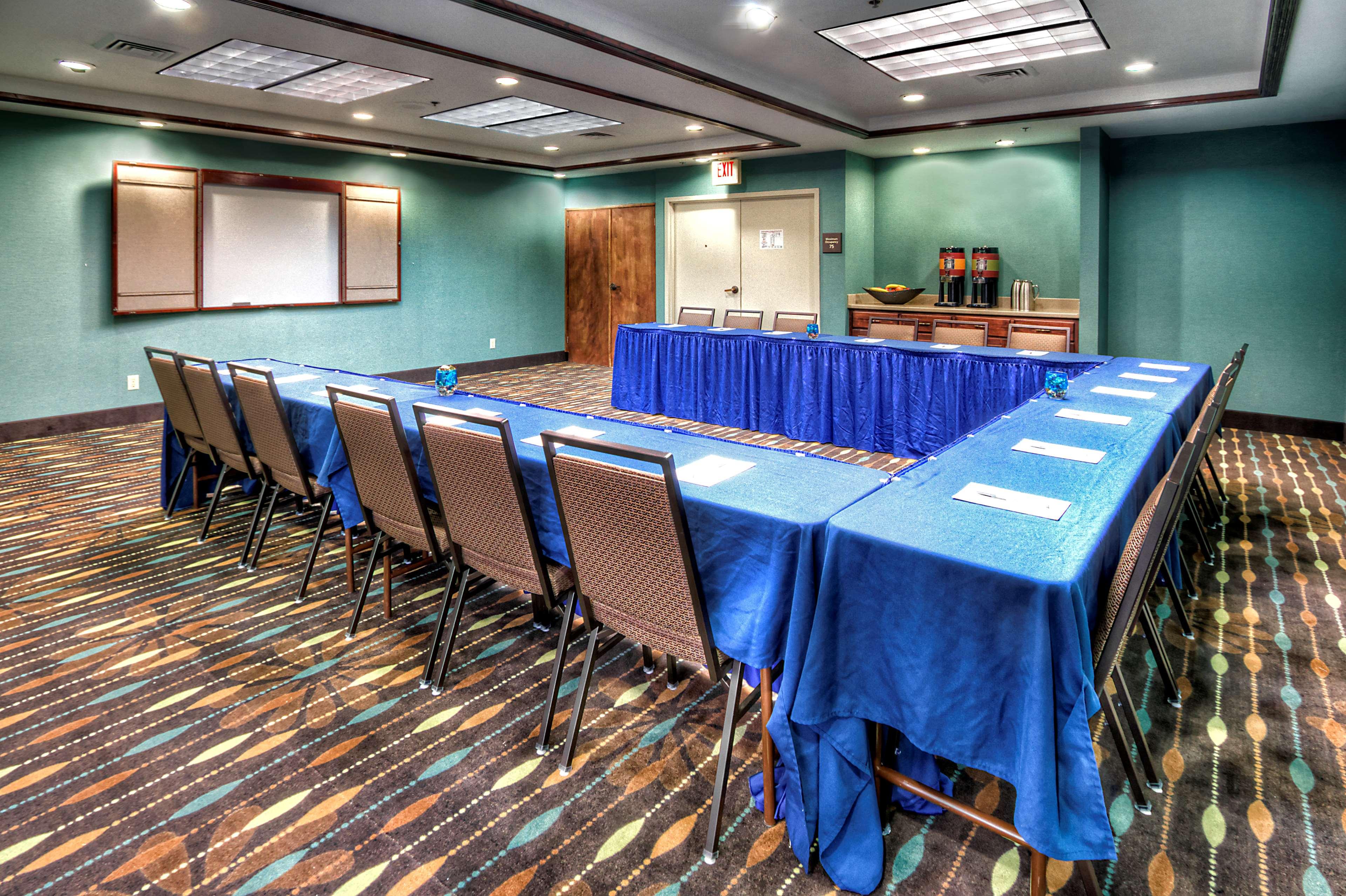 Hampton Inn Goldsboro image 43