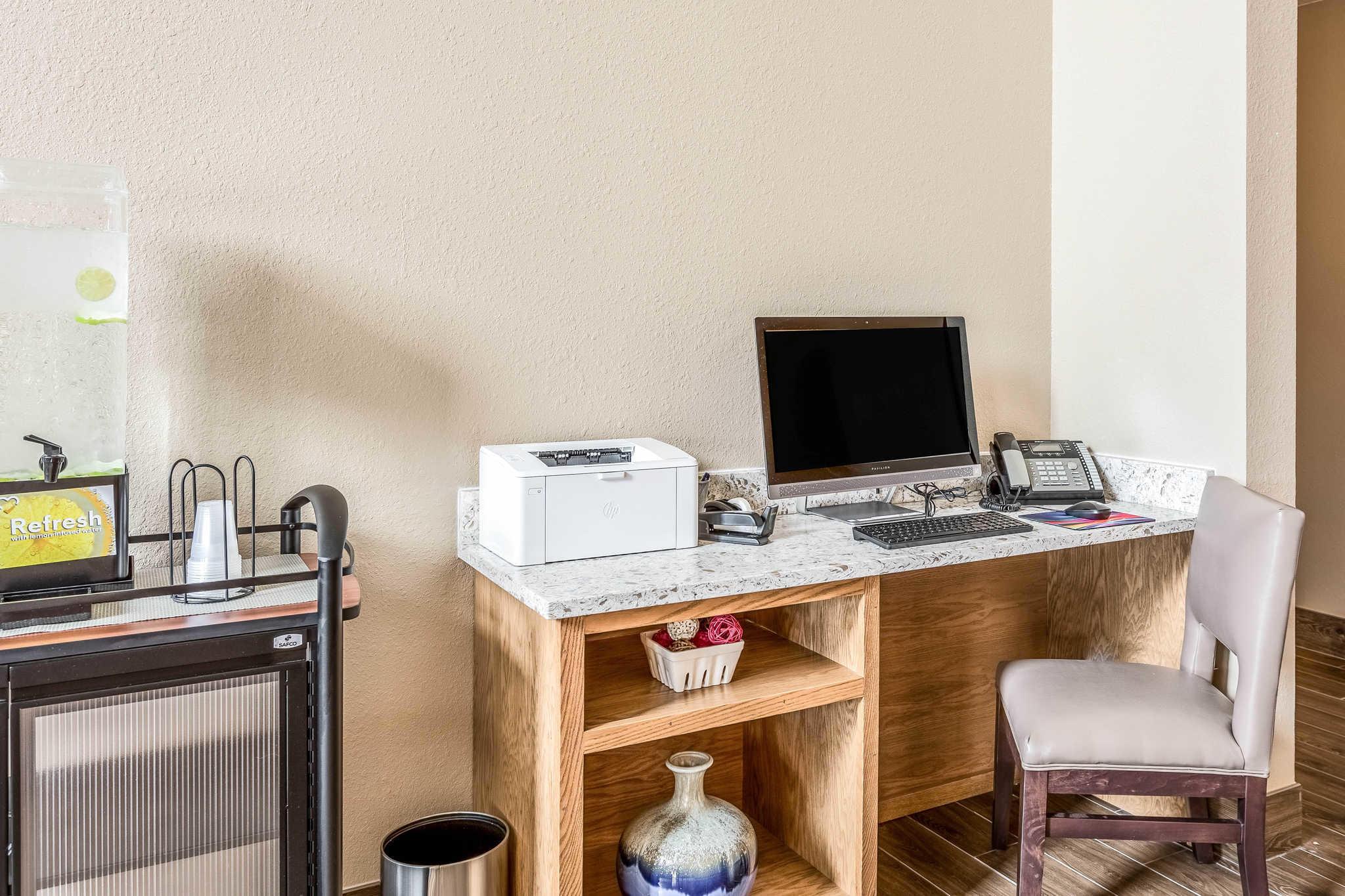 Comfort Inn & Suites Albuquerque Downtown image 33