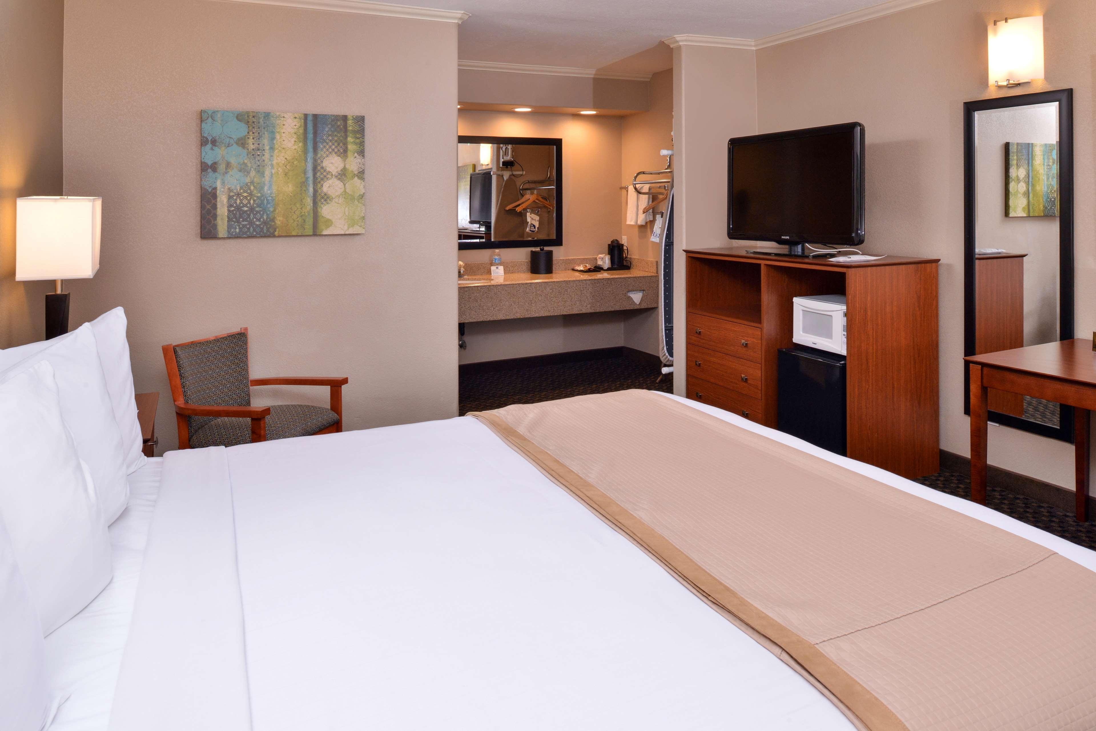 Best Western Oxnard Inn image 8