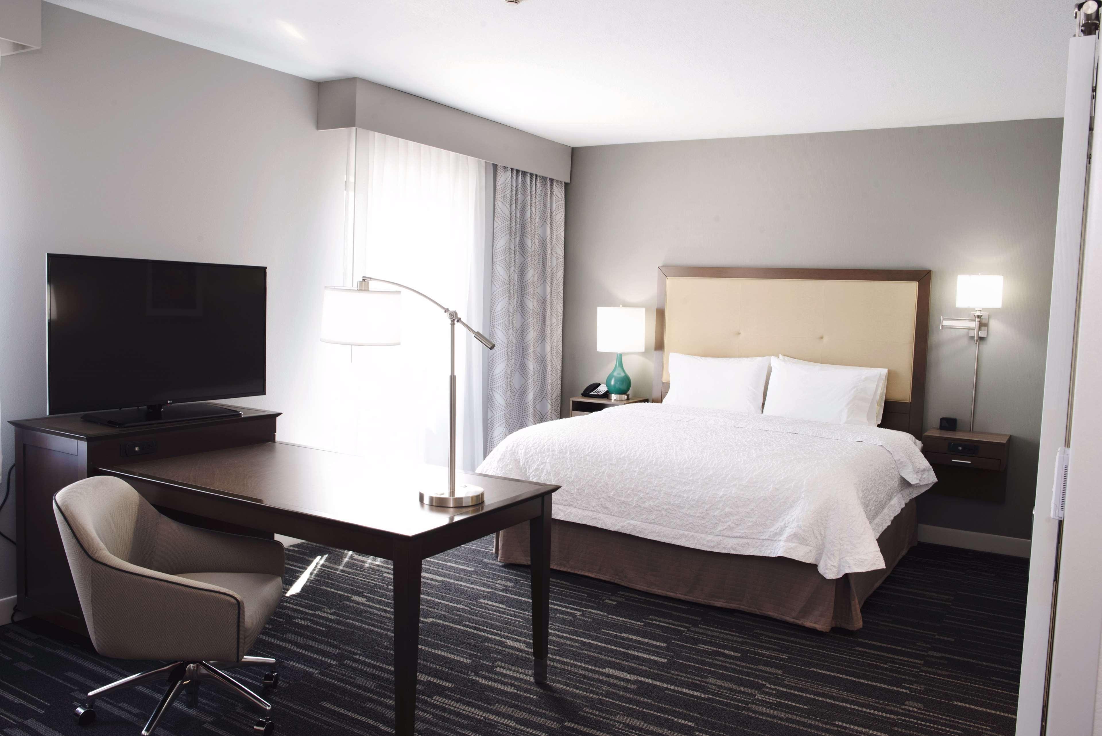 Hampton Inn & Suites Des Moines/Urbandale image 23