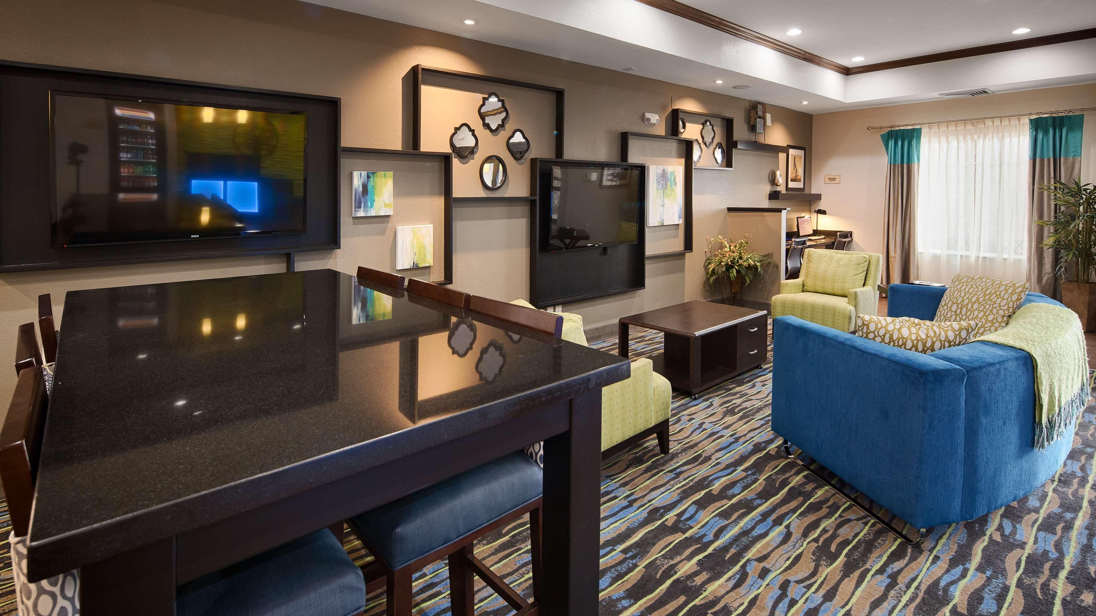 Best Western Plus Denver City Hotel & Suites image 3