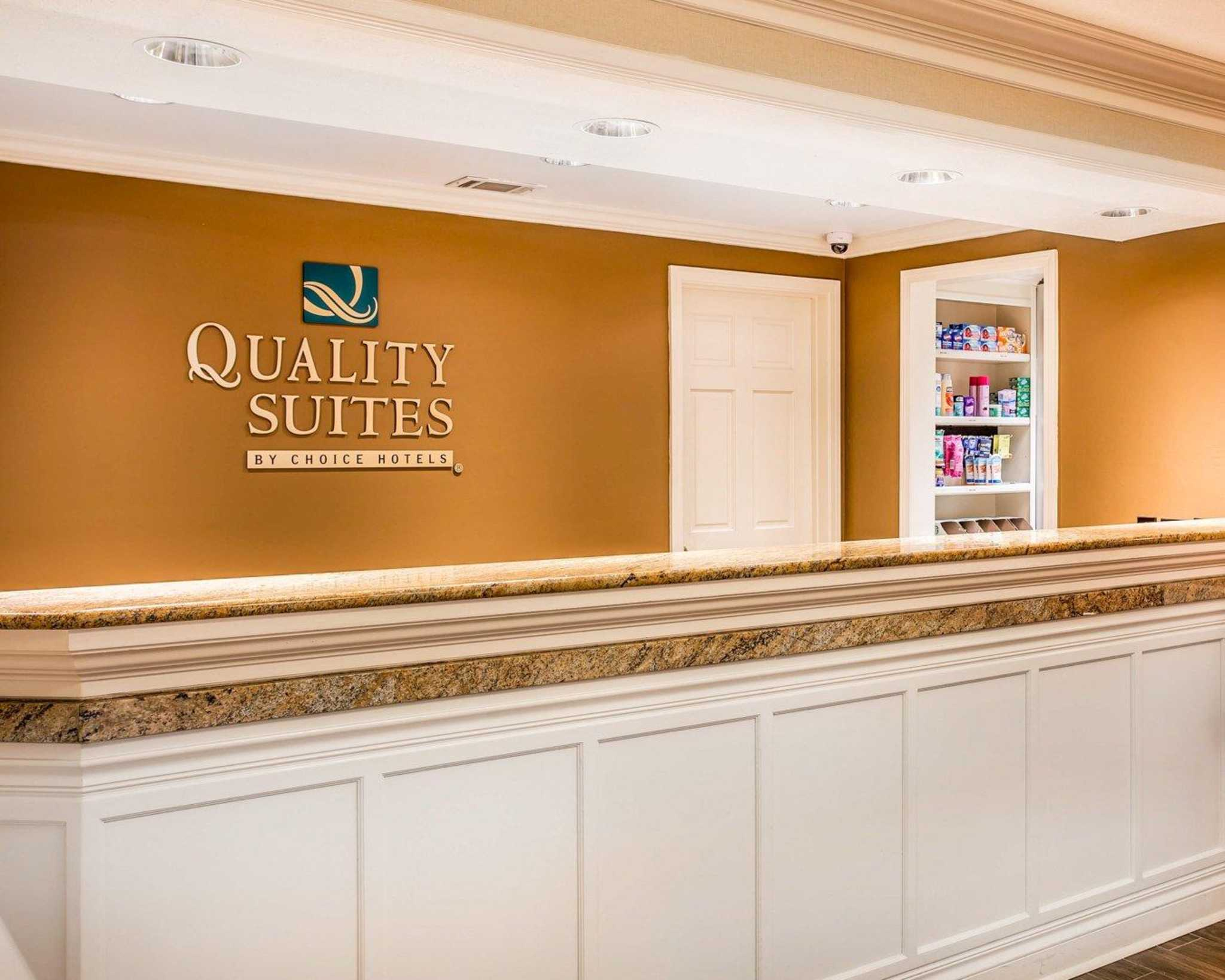 Quality Suites Buckhead Village image 3