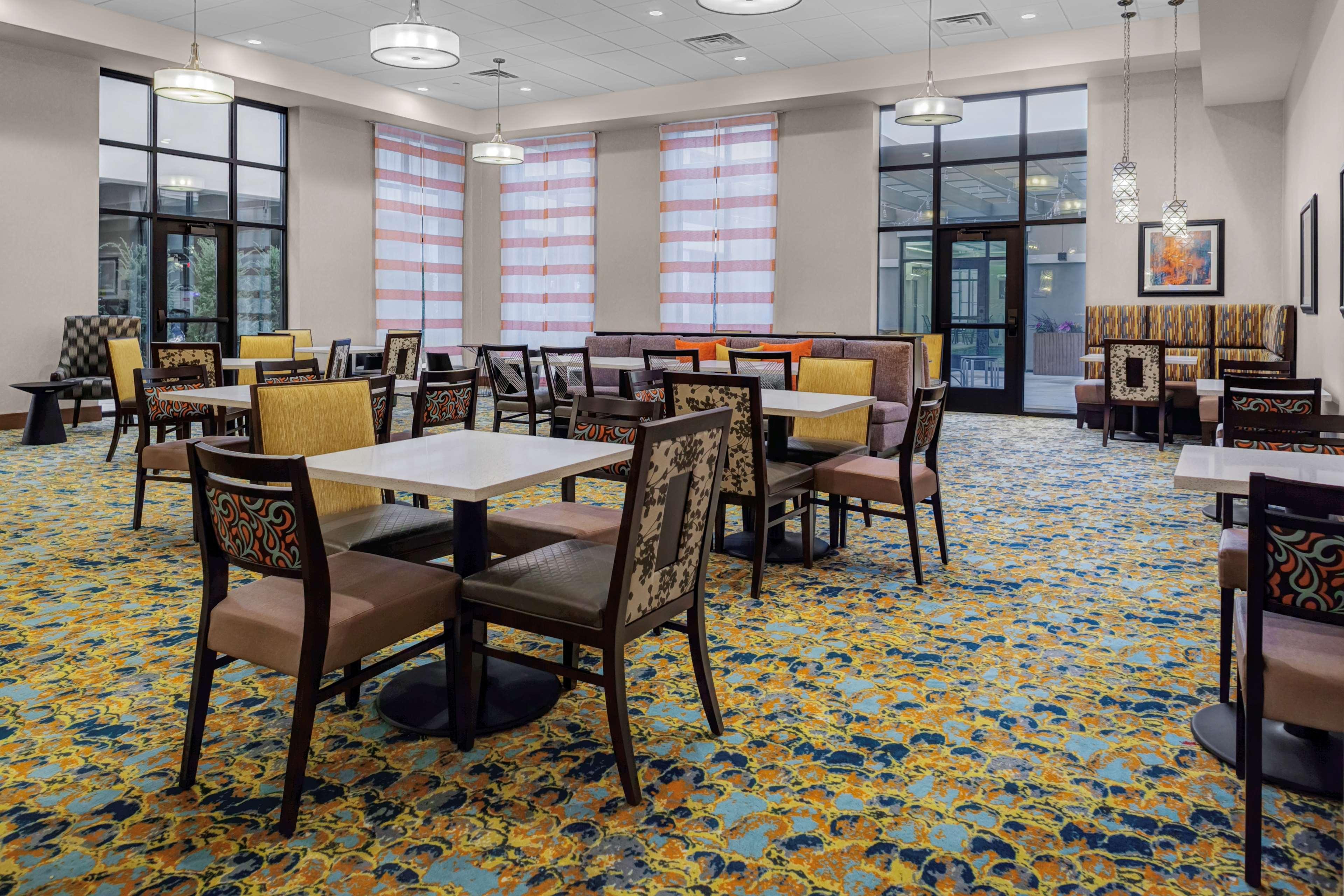 Homewood Suites by Hilton Wauwatosa Milwaukee image 4