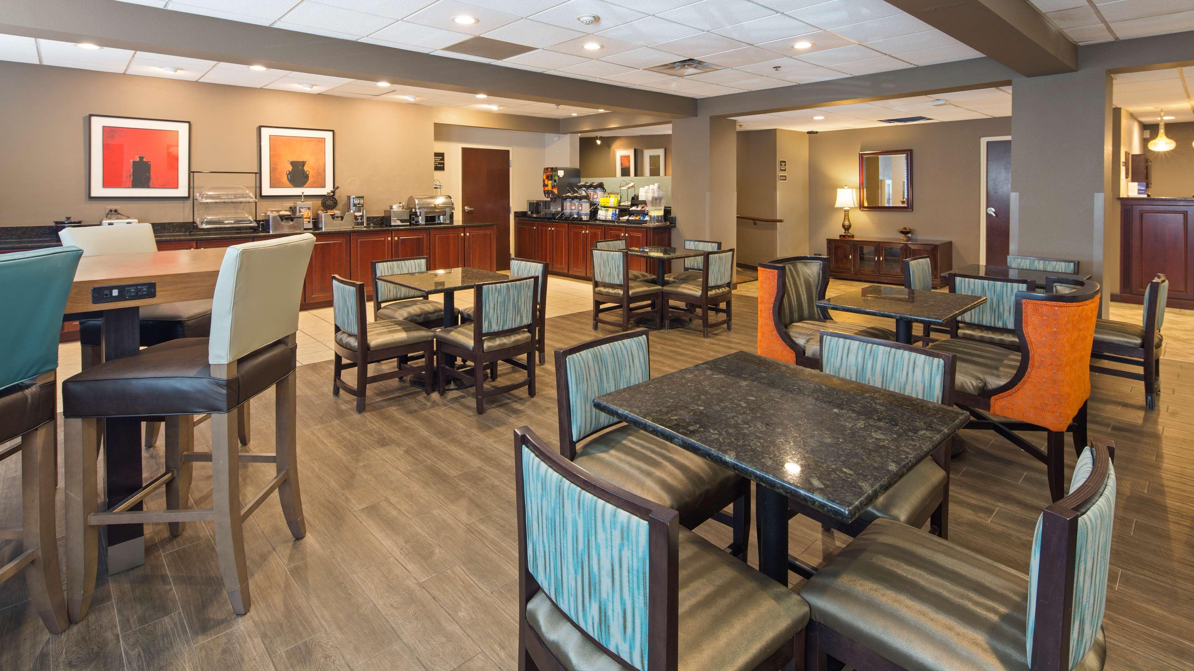 Best Western Plus Oak Mountain Inn image 2