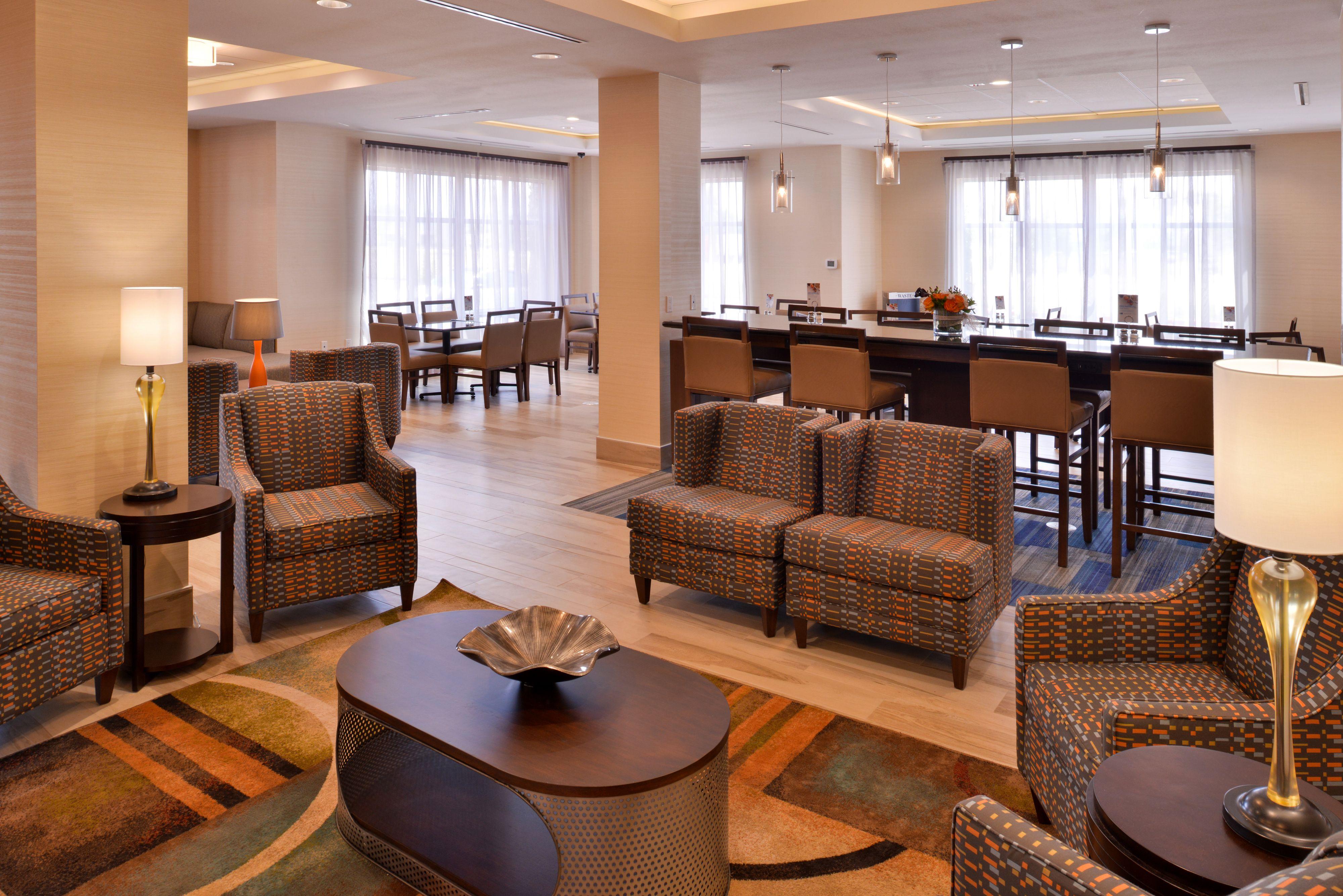 Holiday Inn Express & Suites Loma Linda- San Bernardino S image 3