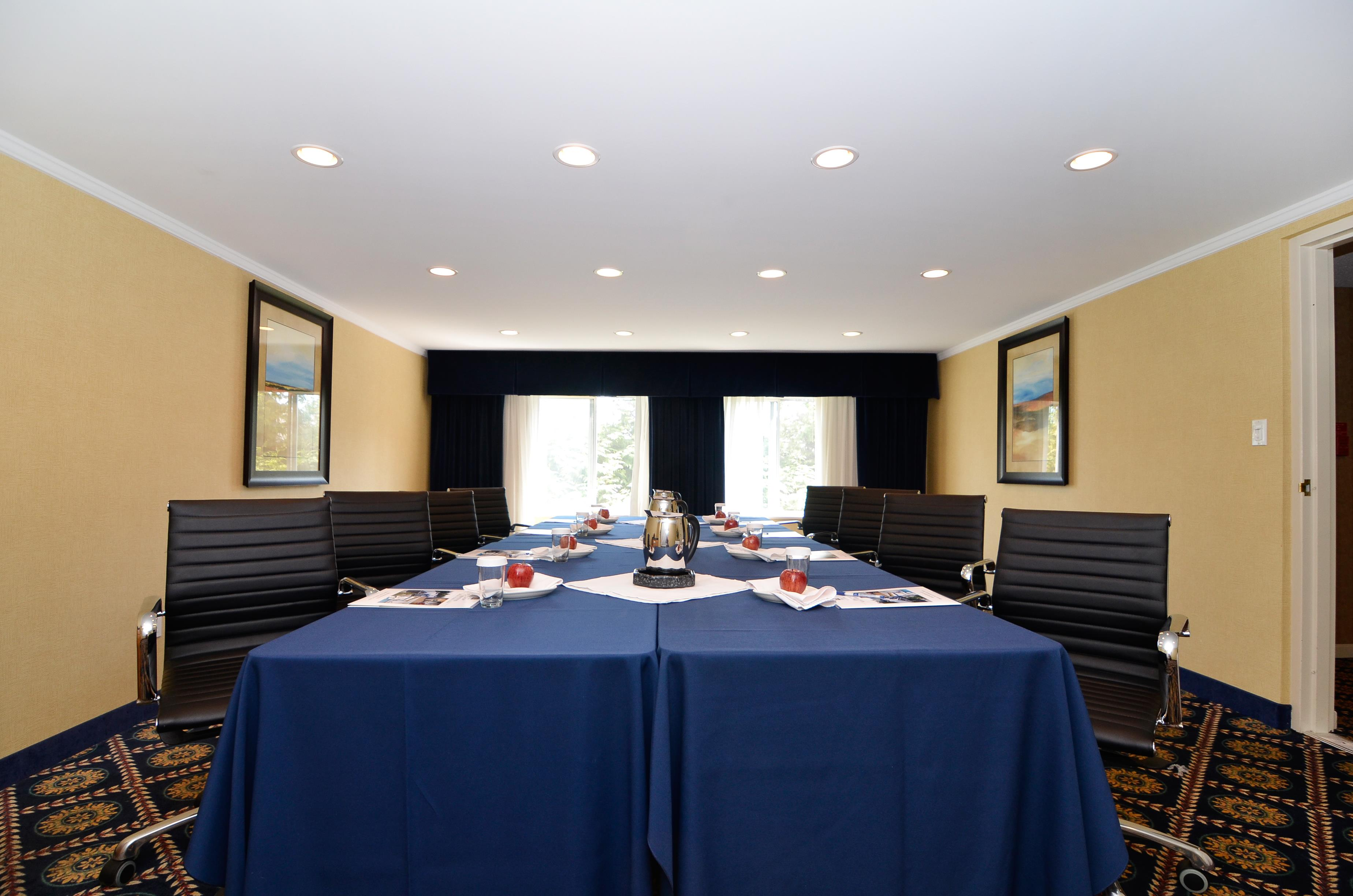 Best Western Plus Regency Inn & Conference Centre in Abbotsford: Meeting Room