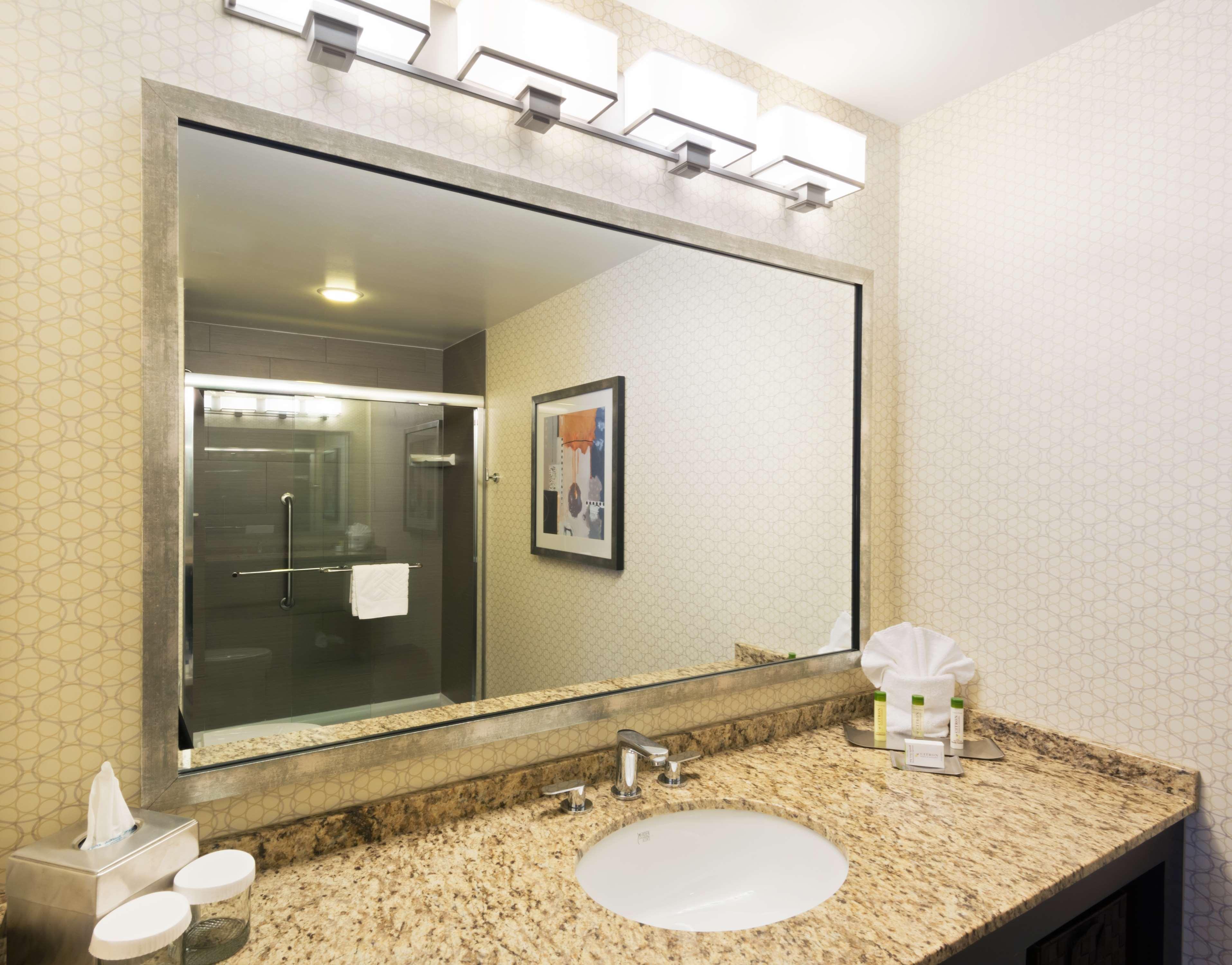 DoubleTree Suites by Hilton Hotel Austin image 3