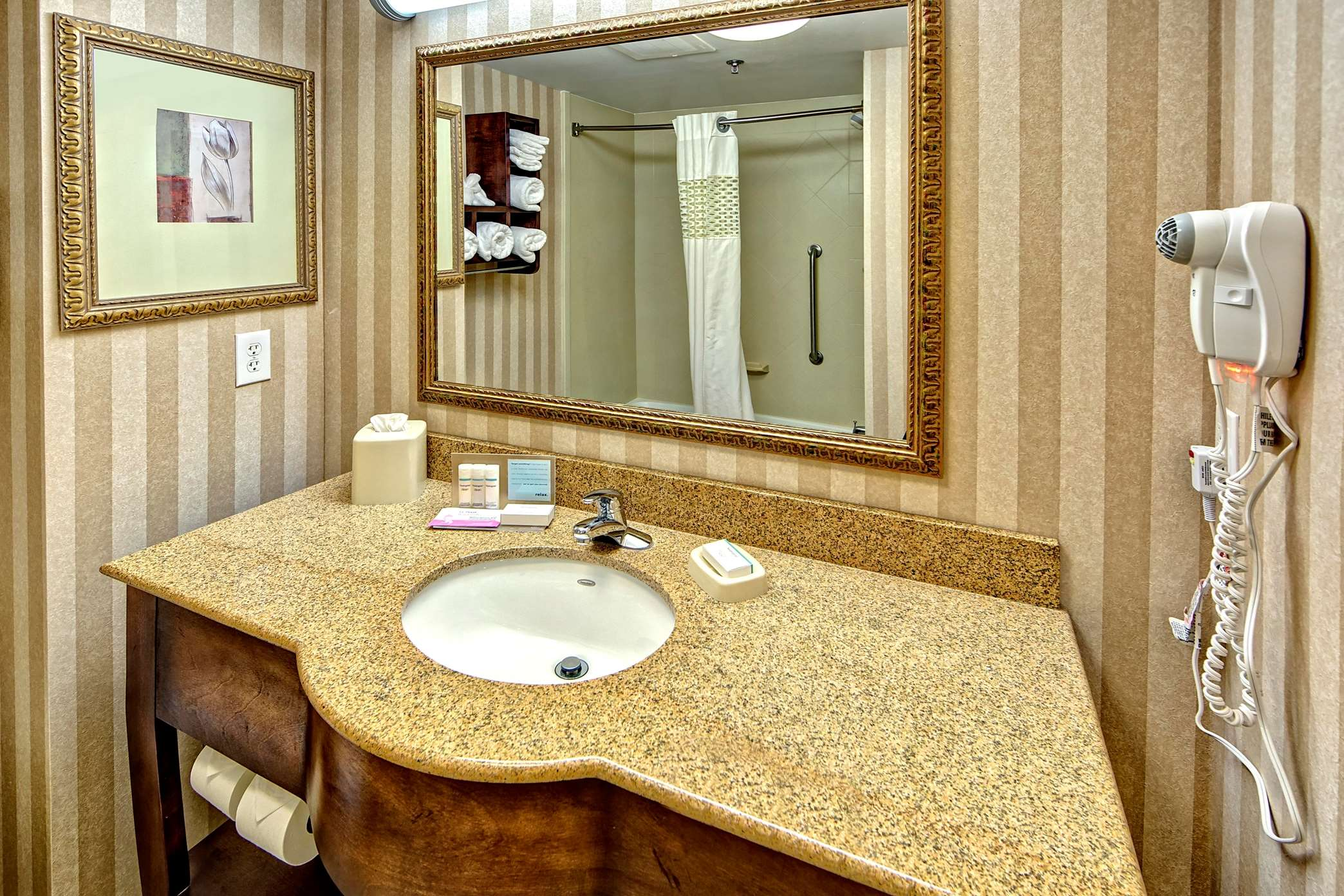 Hampton Inn & Suites Cashiers-Sapphire Valley image 23