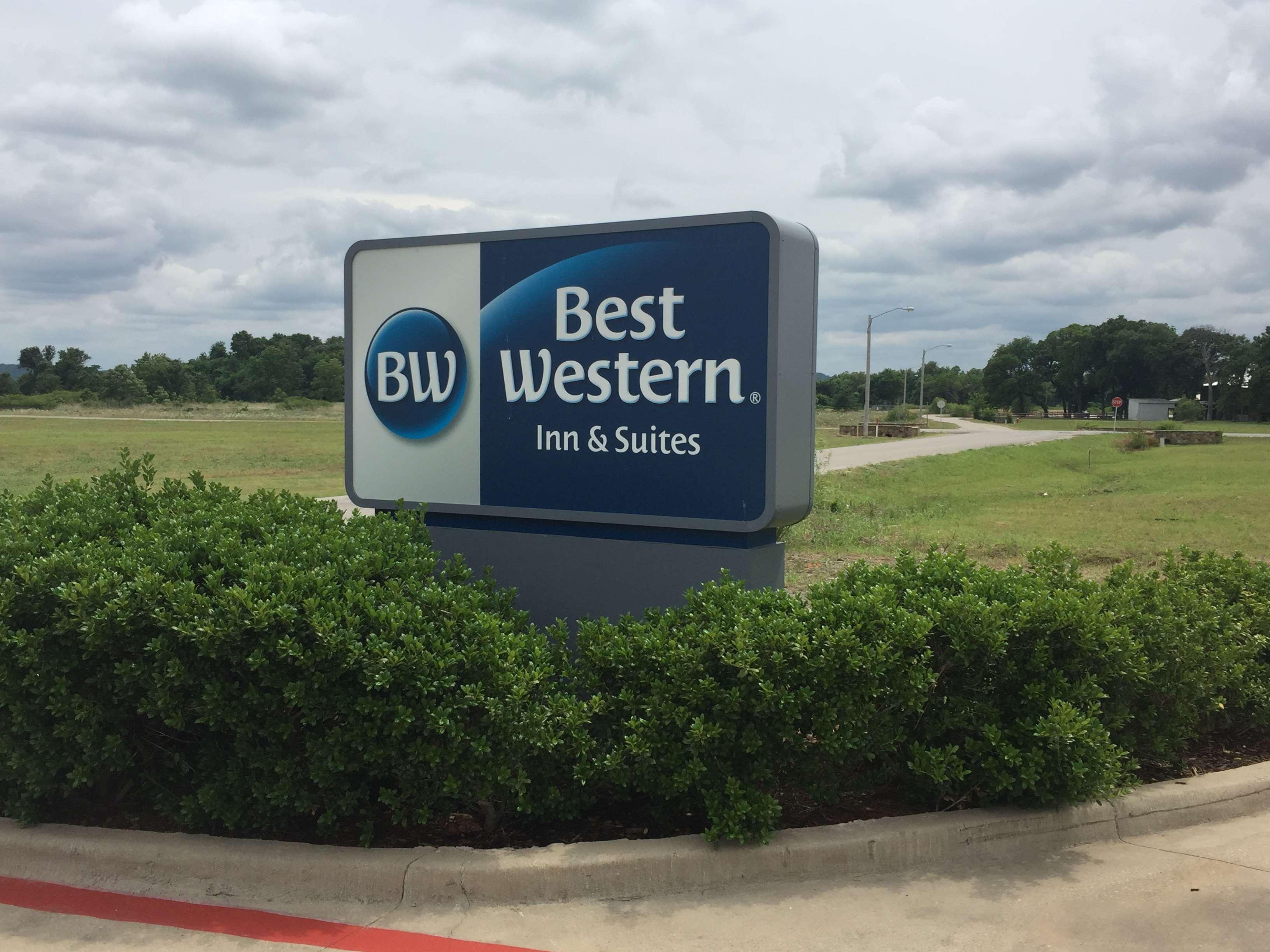 Best Western Red River Inn & Suites image 2