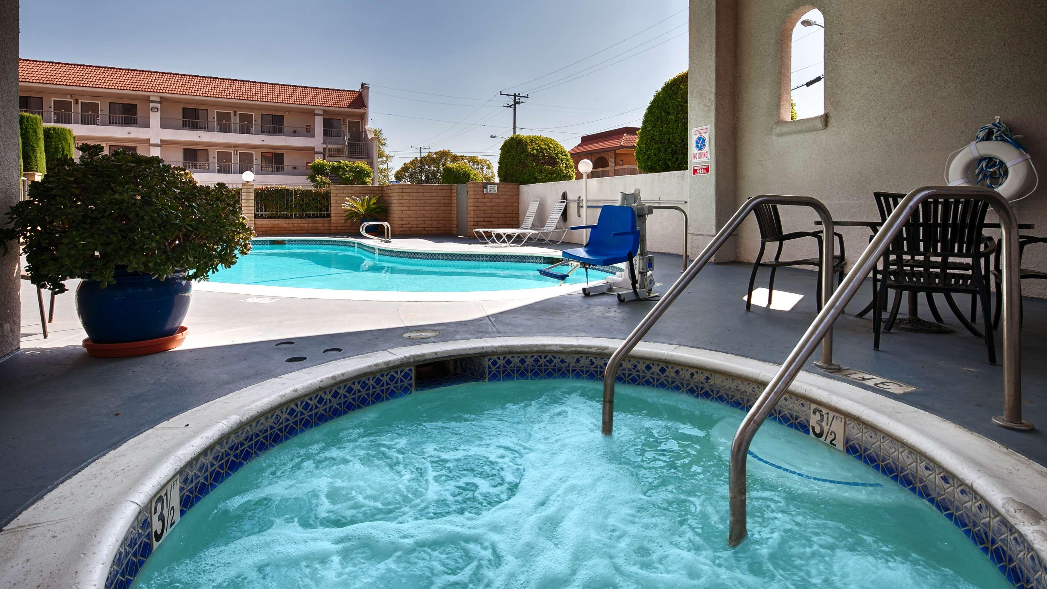 Best Western Pasadena Royale Inn & Suites image 9