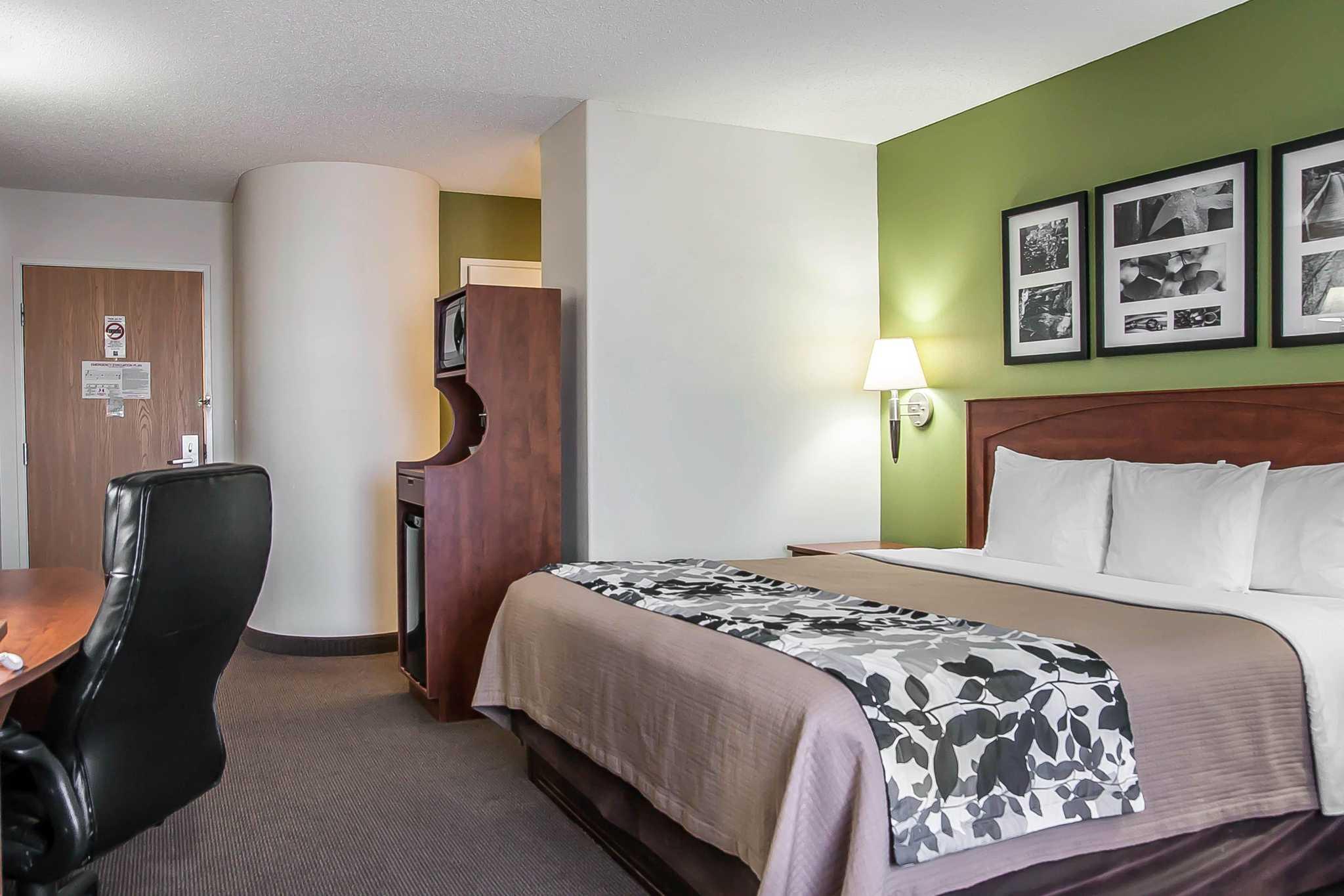 Sleep Inn & Suites image 42