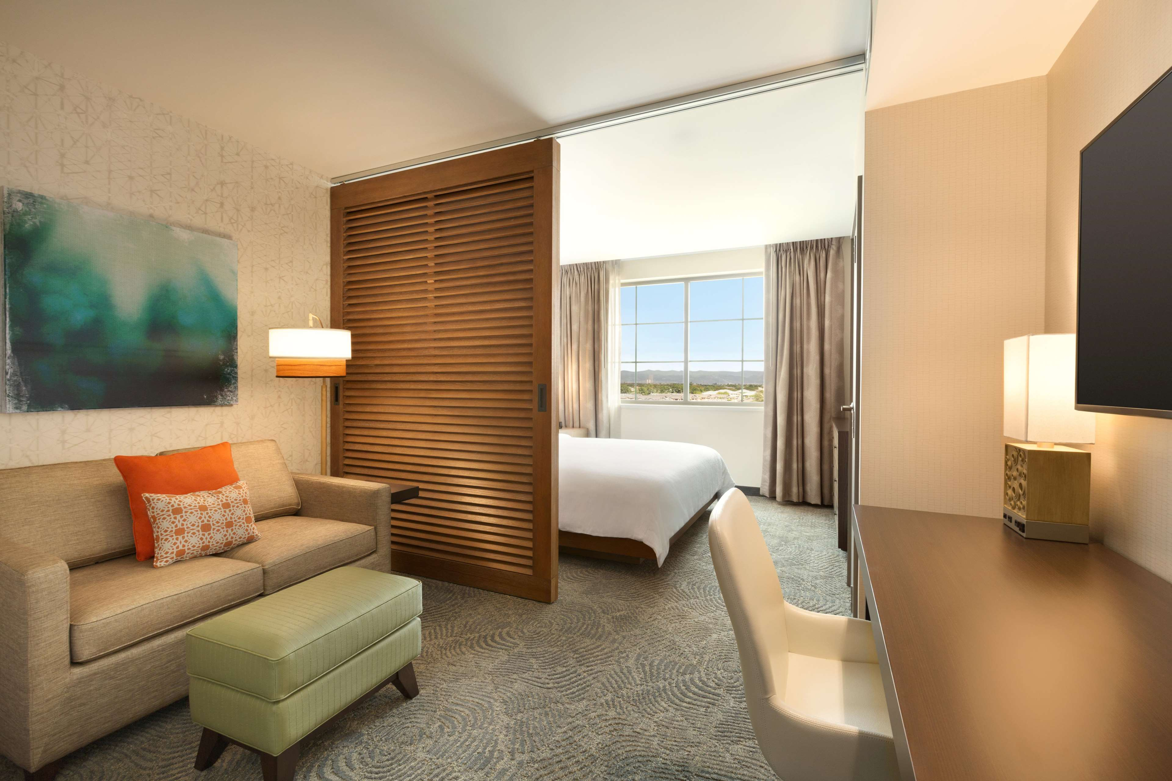 Embassy Suites by Hilton Oahu Kapolei image 29