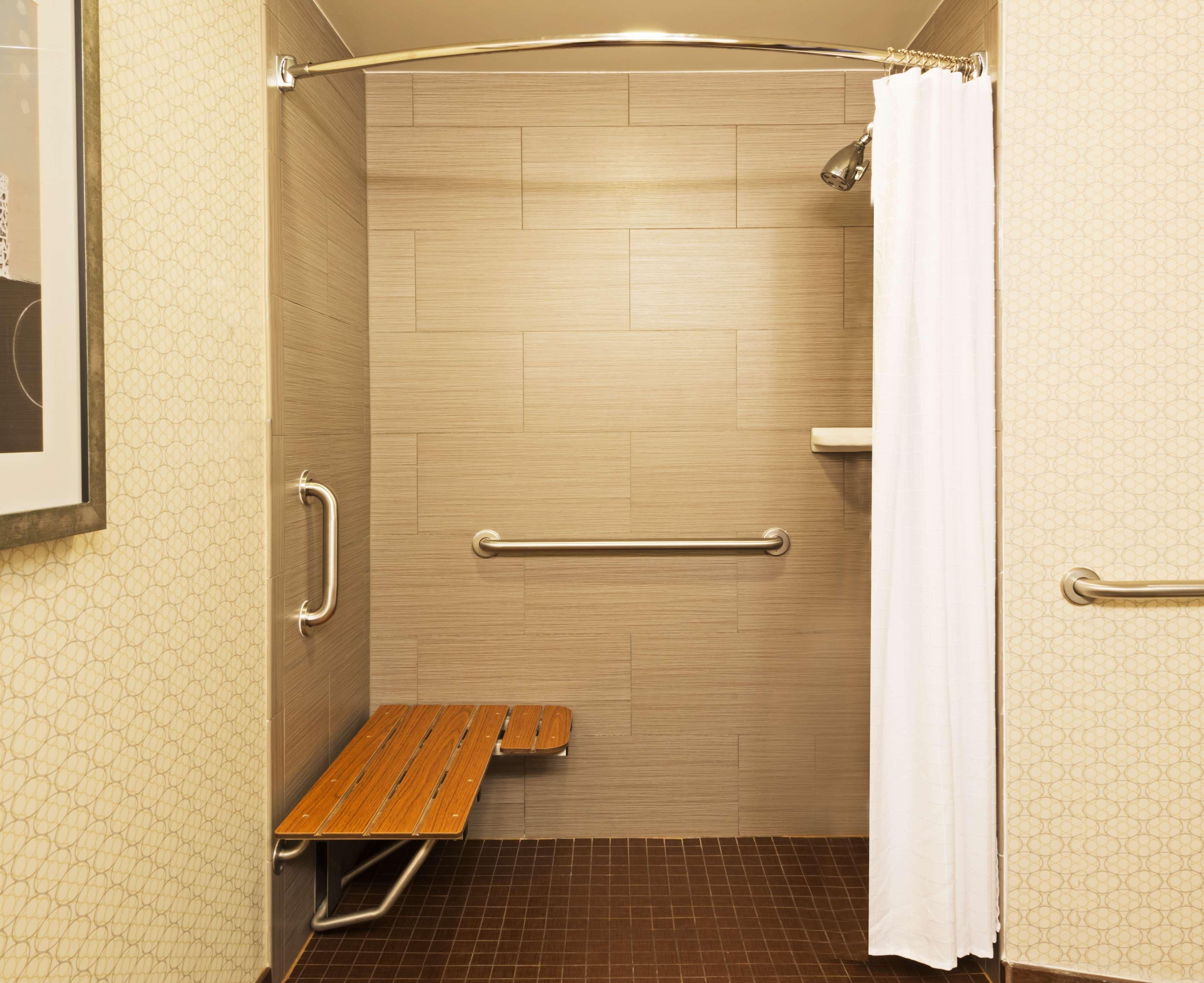 DoubleTree Suites by Hilton Hotel Austin image 4