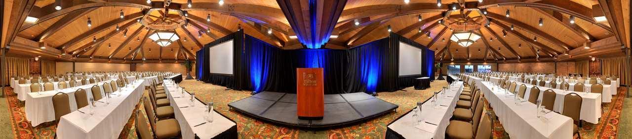 Hilton Chicago Indian Lakes image 4
