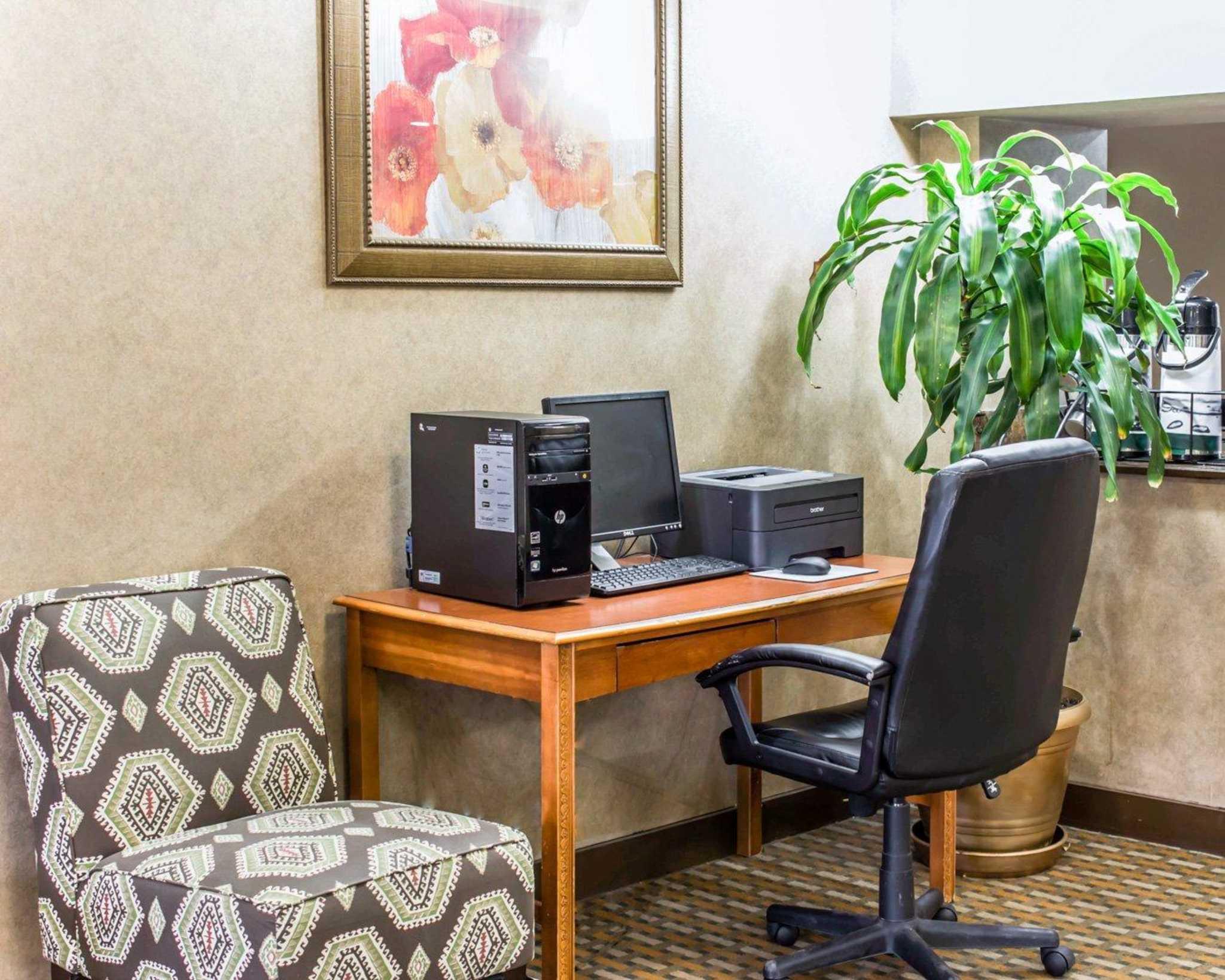 Quality Inn & Suites Fort Bragg image 31
