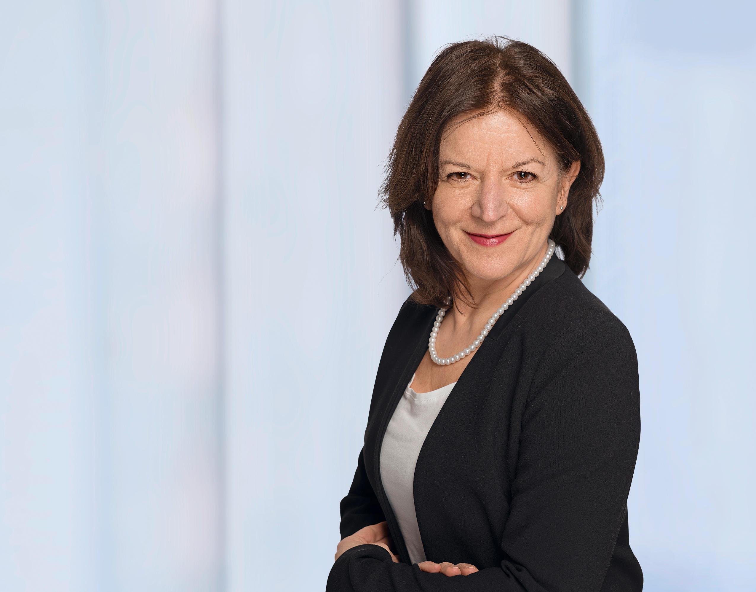 Barmenia Versicherung - Carmen Heuschneider, Schertlinstr. 13 B in Augsburg