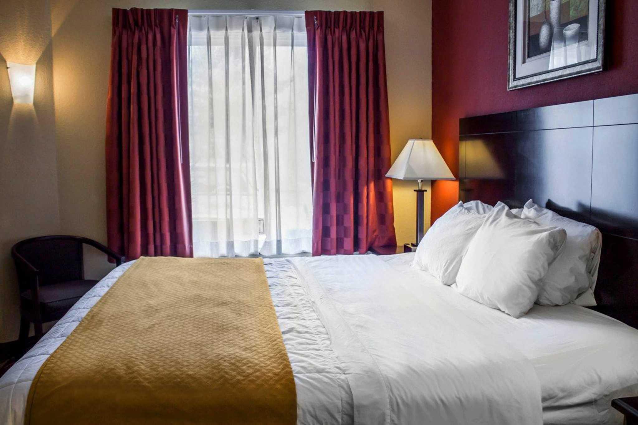 Quality Inn Brunswick Cleveland South image 4