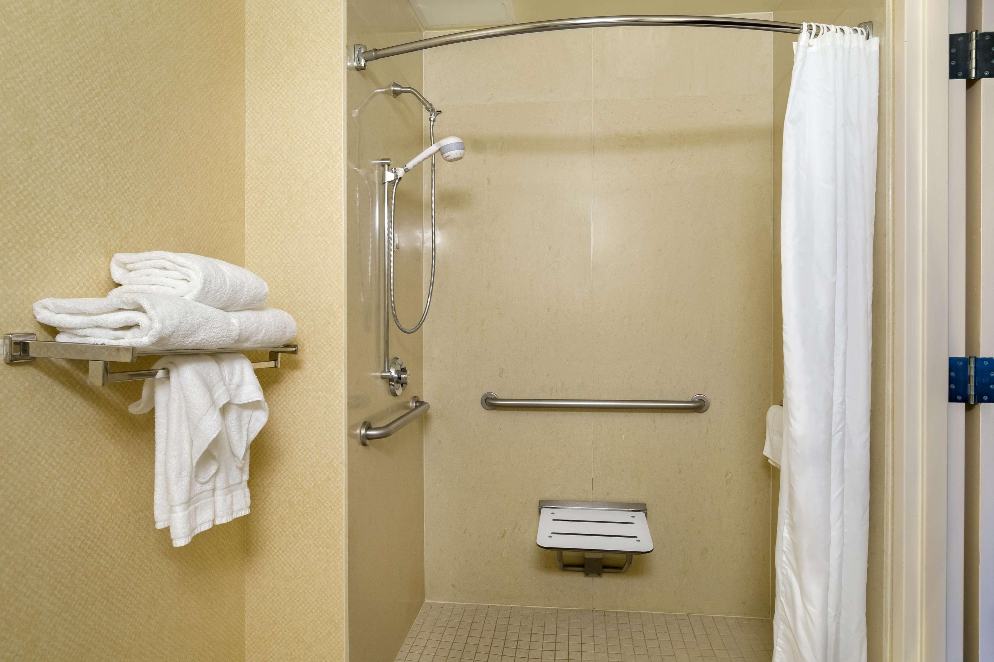 Hilton Garden Inn Newport News image 15