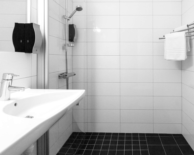 Standard Bathroom Shower