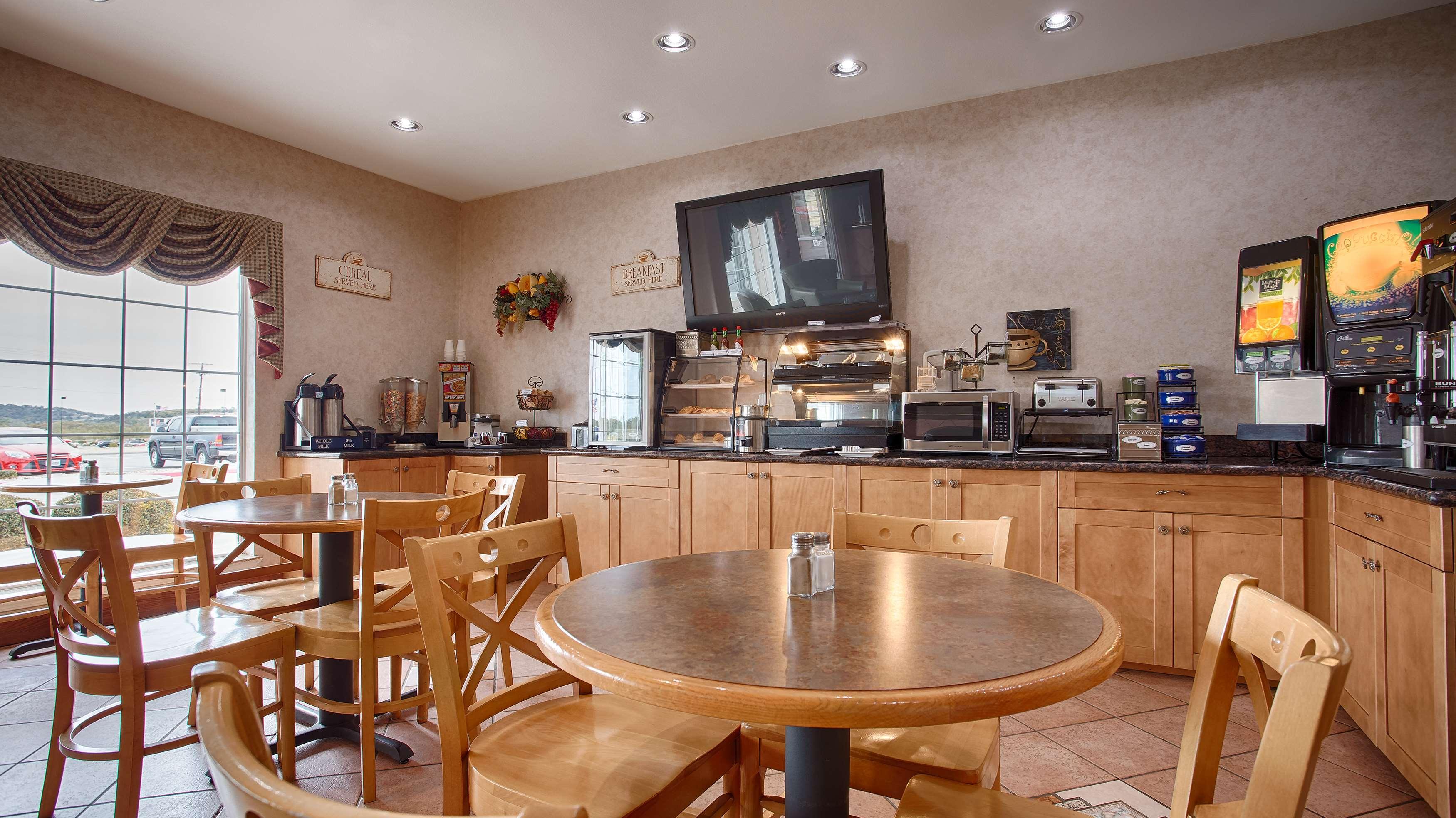 Best Western Club House Inn & Suites image 9