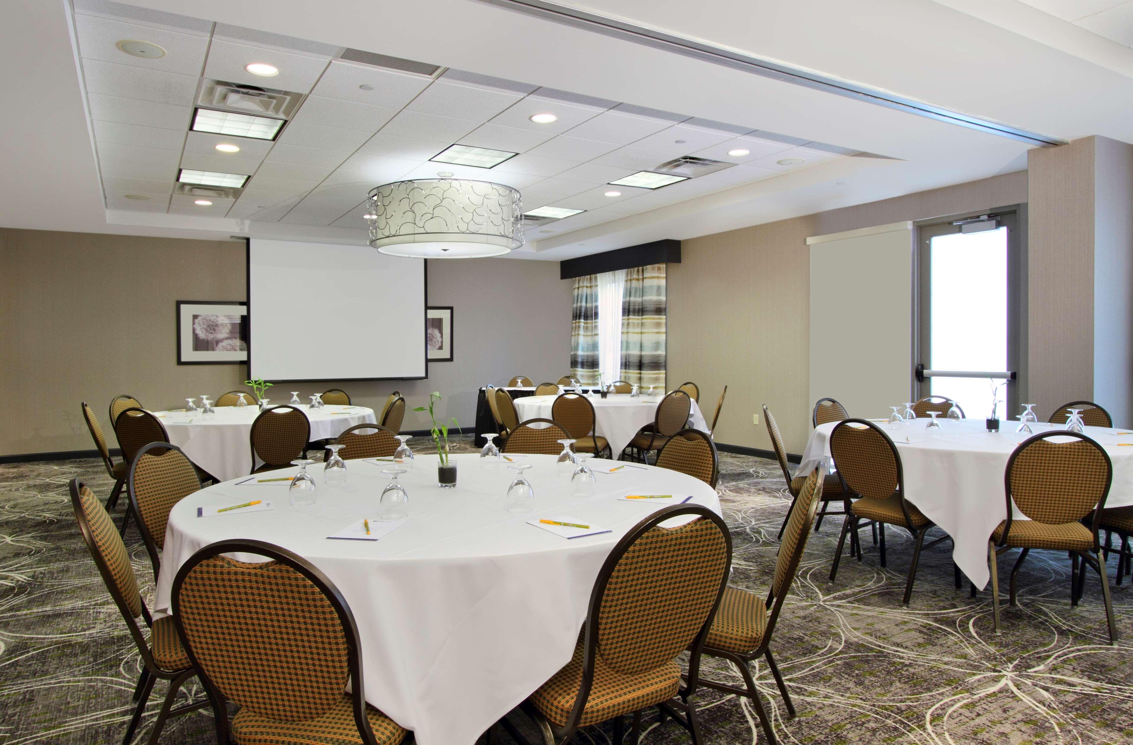 Hilton Garden Inn Columbus-University Area image 37