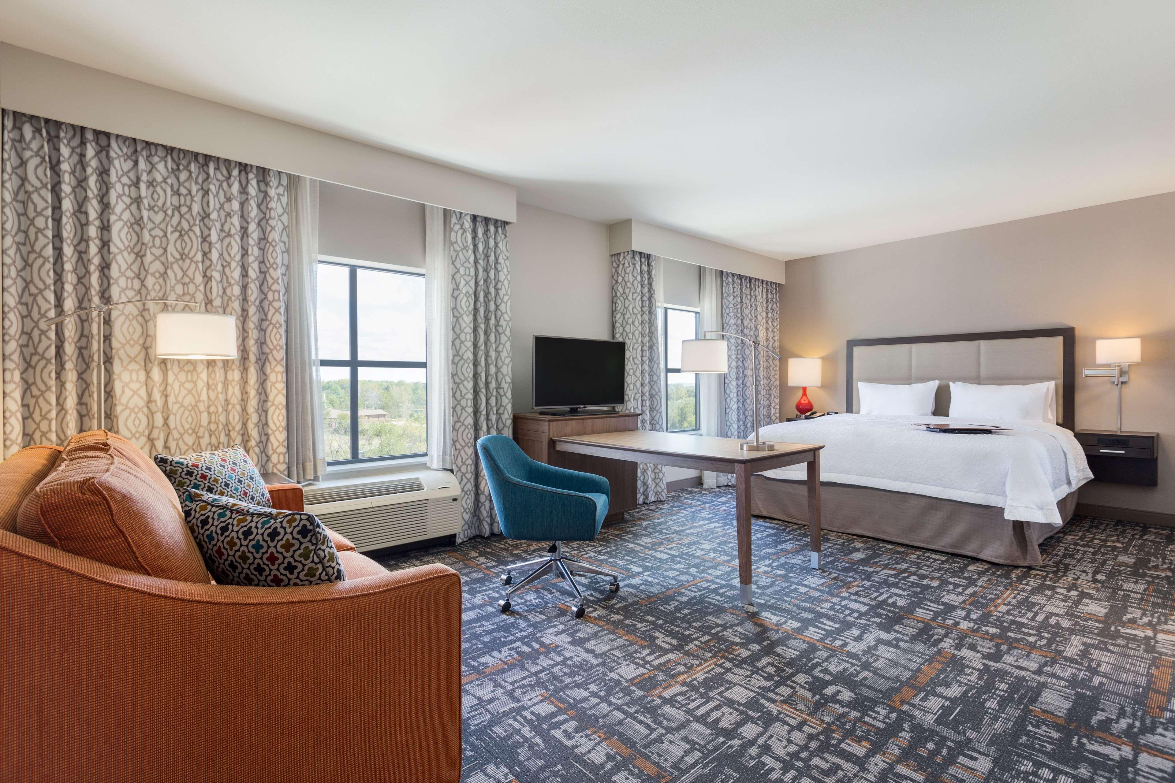 Hampton Inn & Suites West Des Moines/SW Mall Area image 12