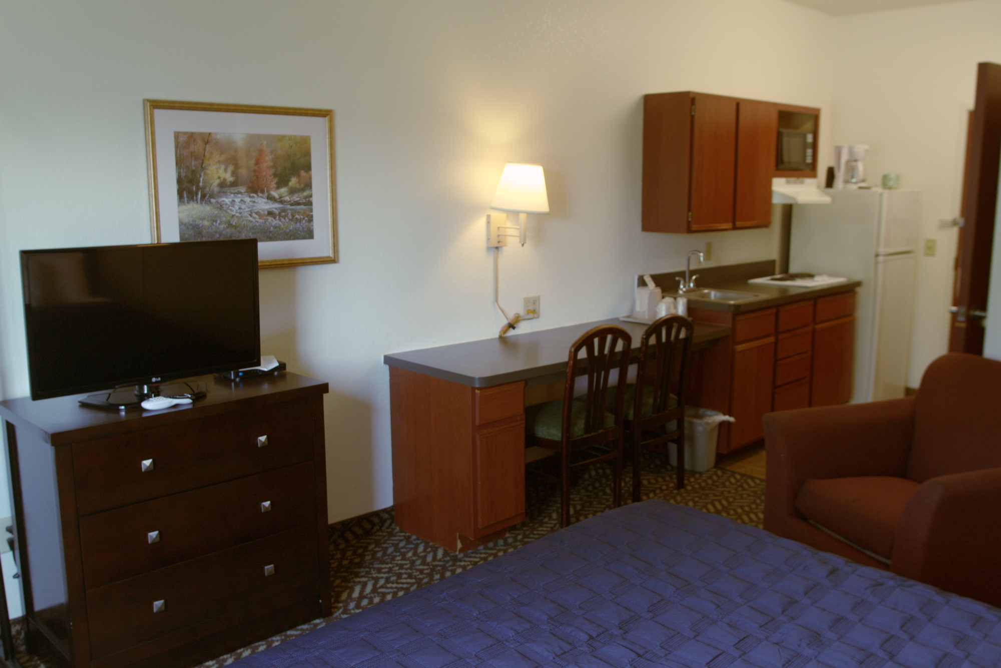 Looking for temporary housing or an extended stay hotel, we have you covered in our extended stay hotel; featuring studios and suites.