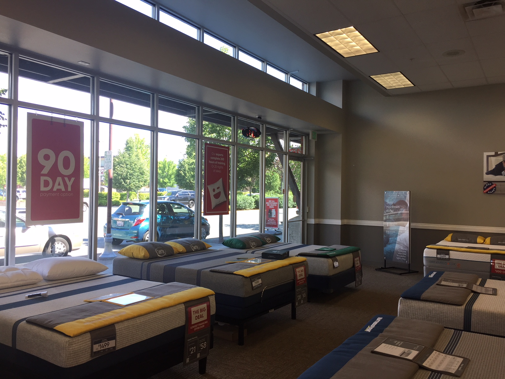 Mattress Firm The Landing image 5