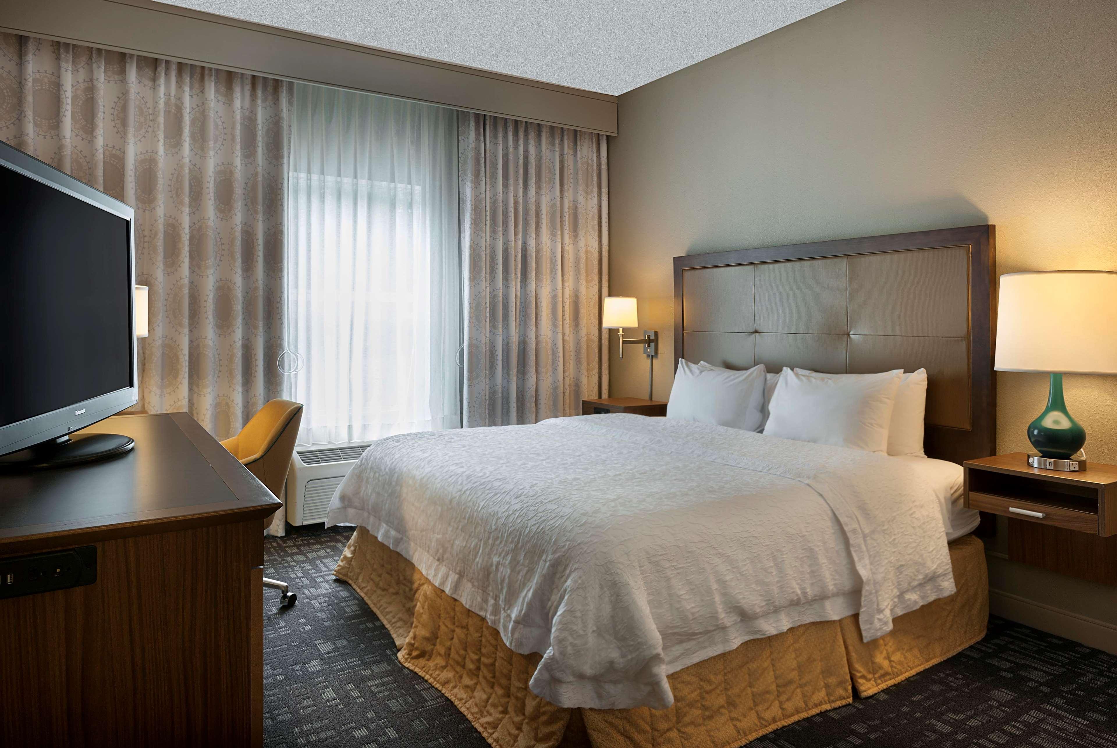 Hampton Inn & Suites Charlotte/Pineville image 24