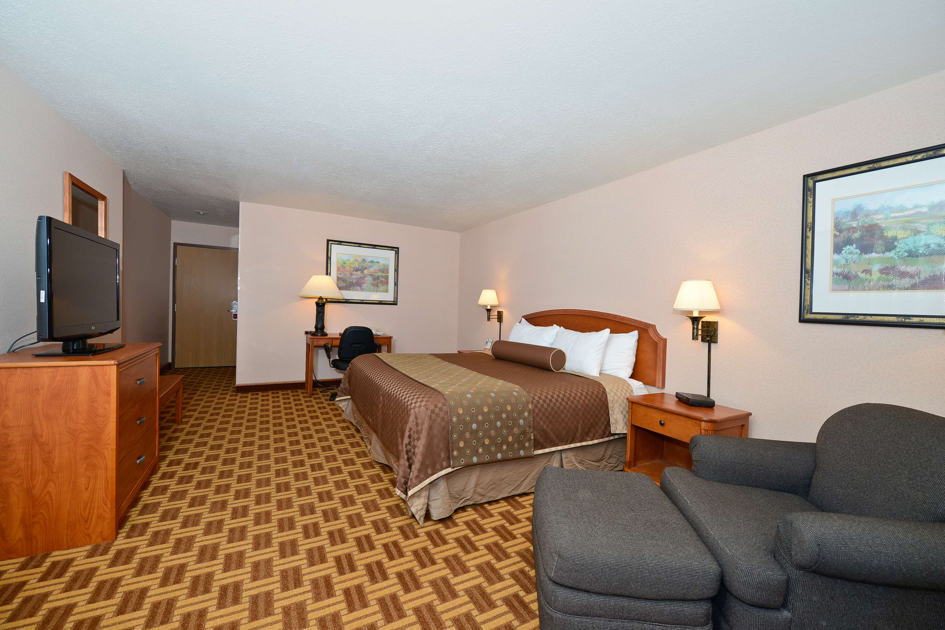 Best Western Harbour Pointe Lakefront image 23