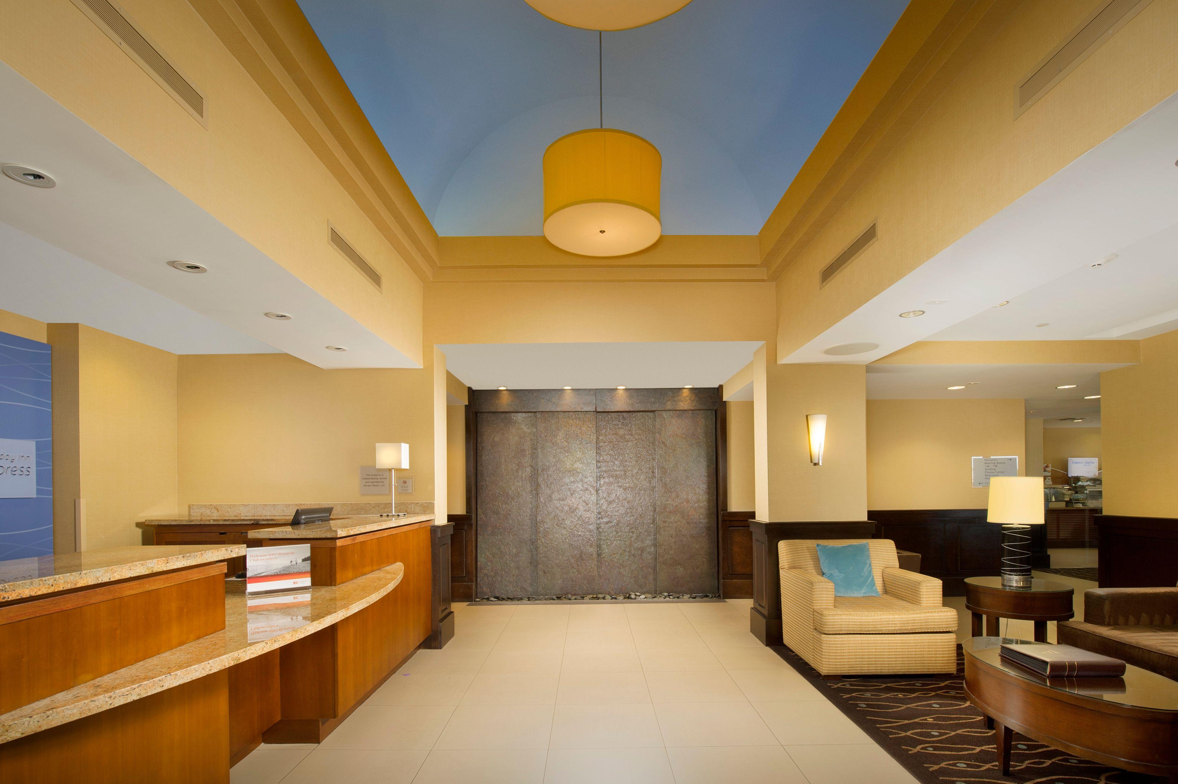 Holiday Inn Express Jacksonville Beach image 4