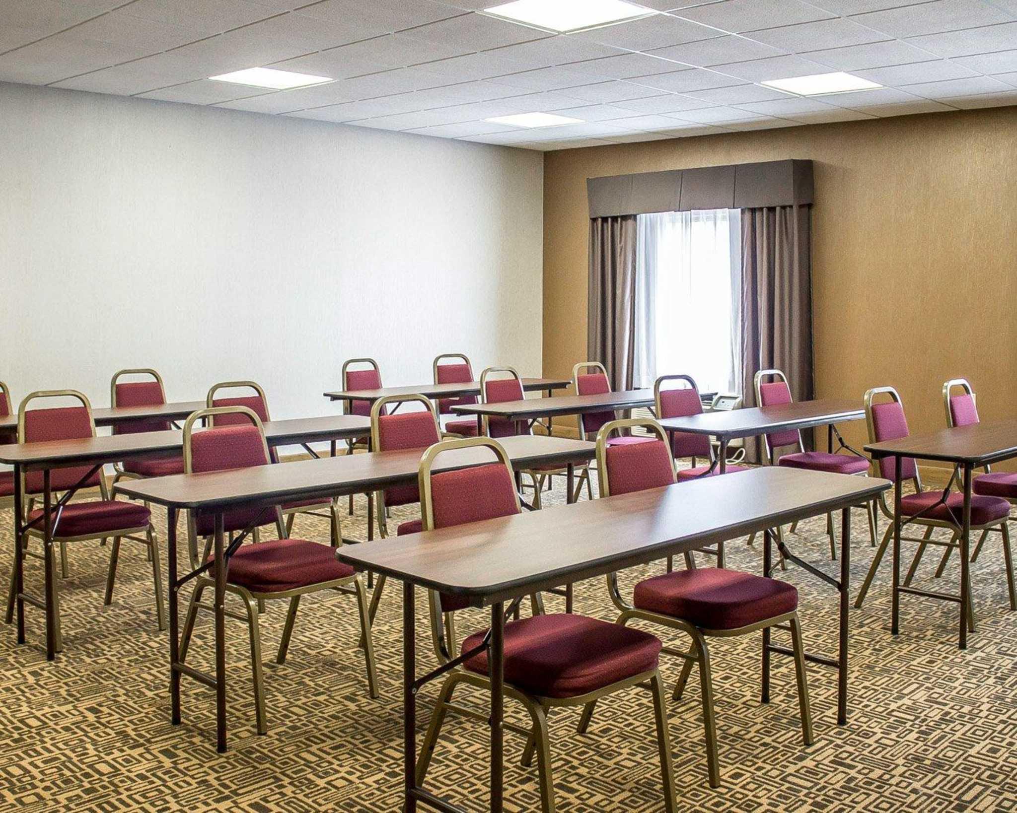 Comfort Suites Perrysburg - Toledo South image 12