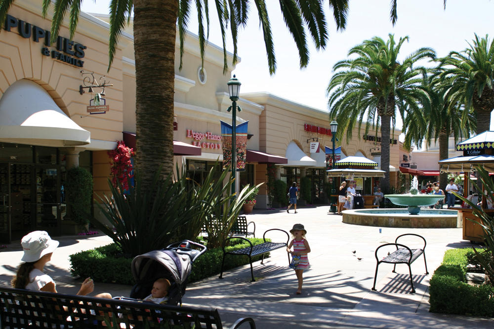 Carlsbad Premium Outlets image 5