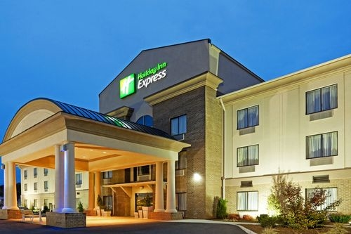 Holiday Inn Express Troutville - Roanoke North image 1