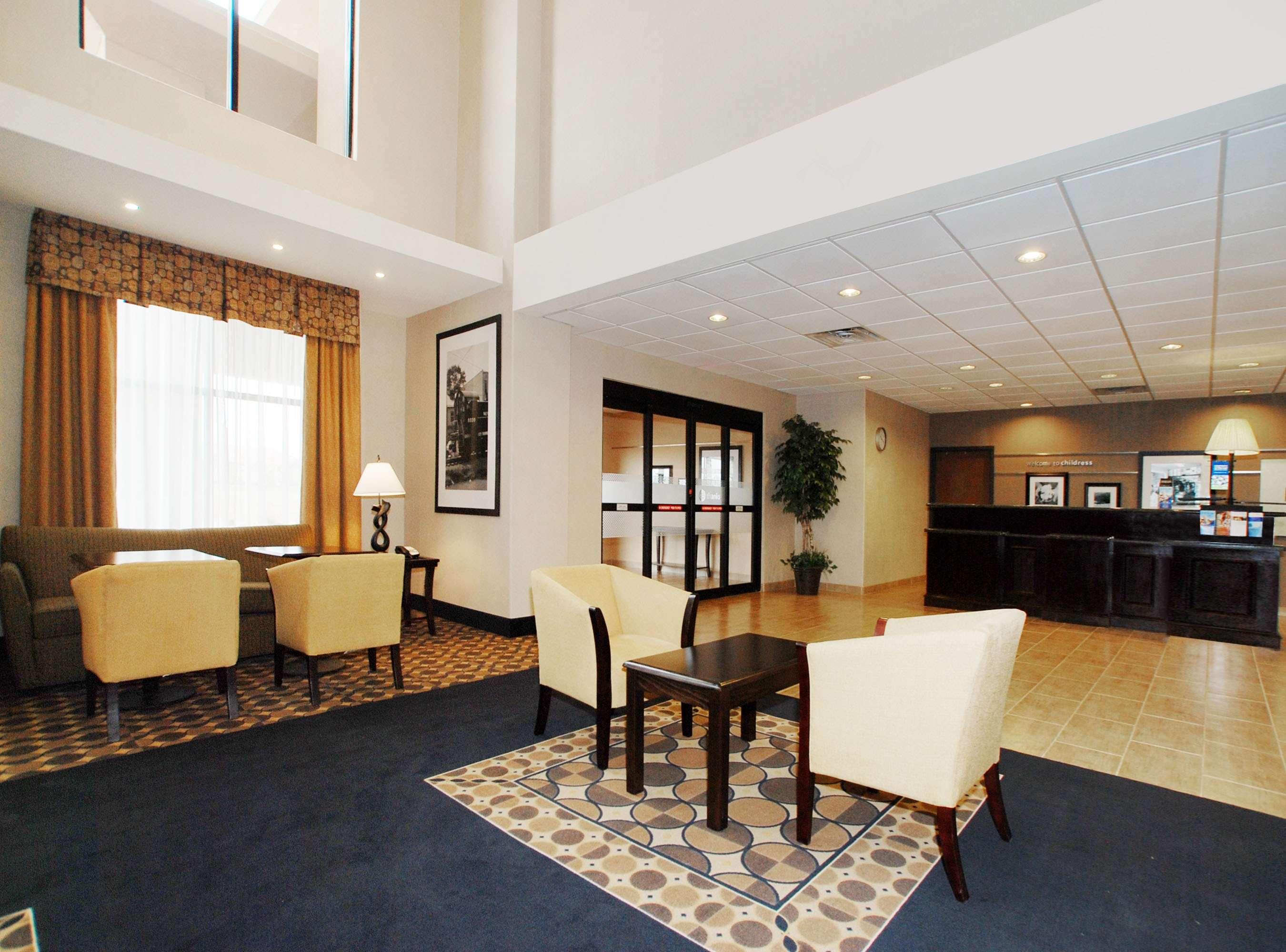 Hampton Inn & Suites Childress image 2