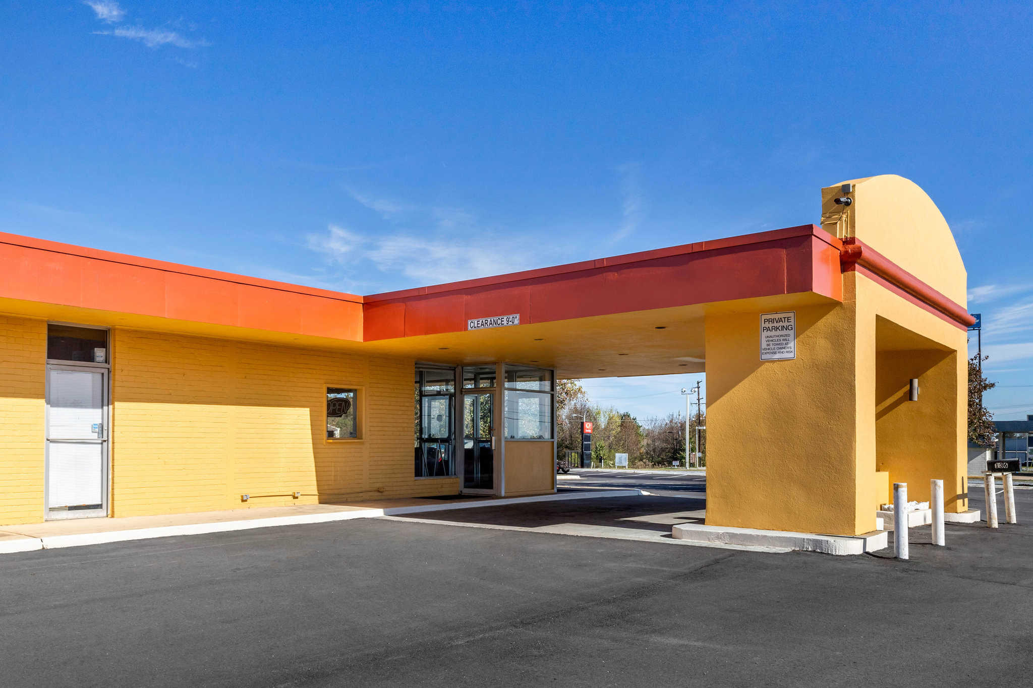 Econo Lodge image 1