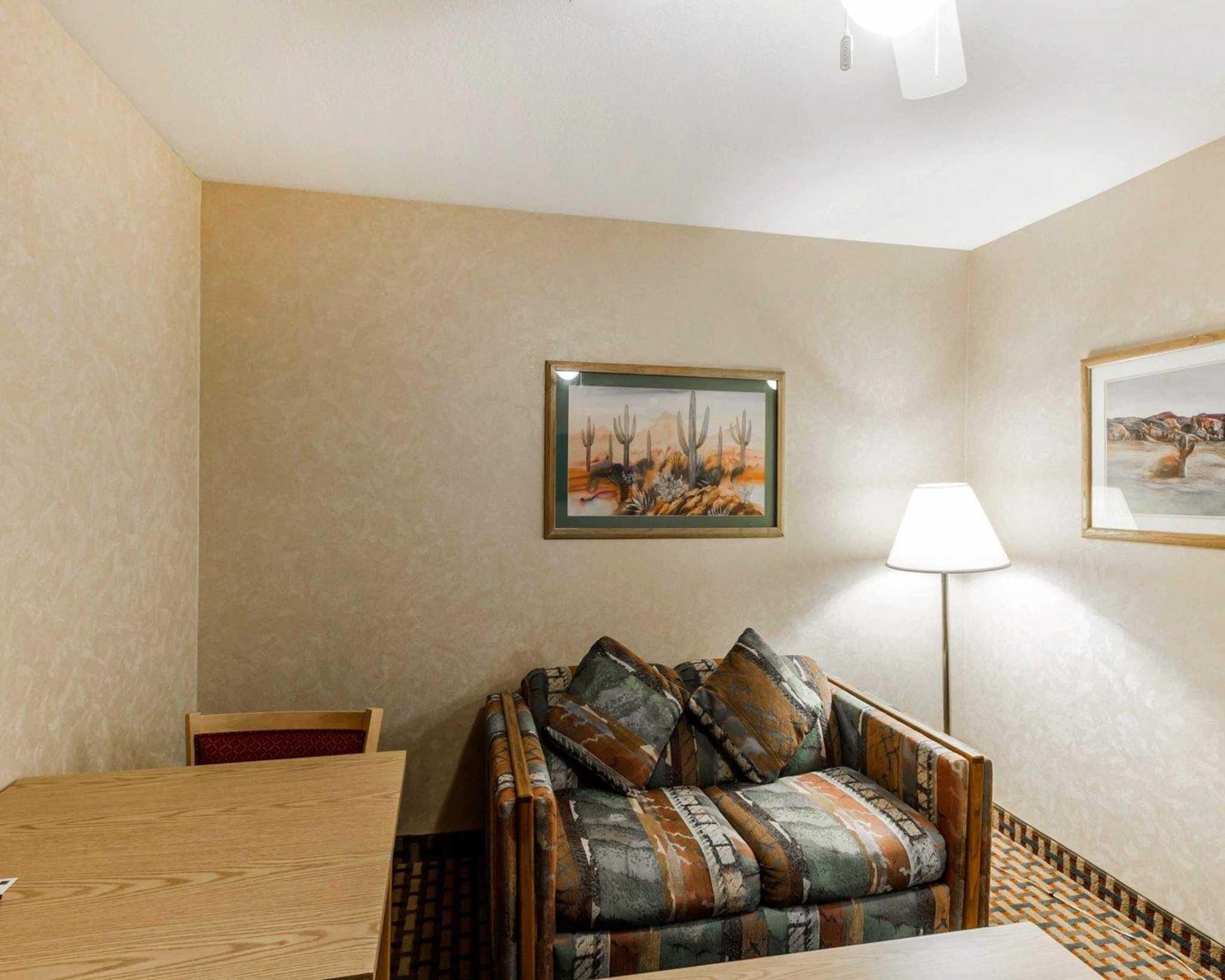 Quality Inn & Suites Surprise Near Sun City West image 35