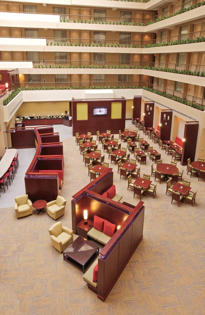 Embassy Suites by Hilton Detroit Troy Auburn Hills image 14