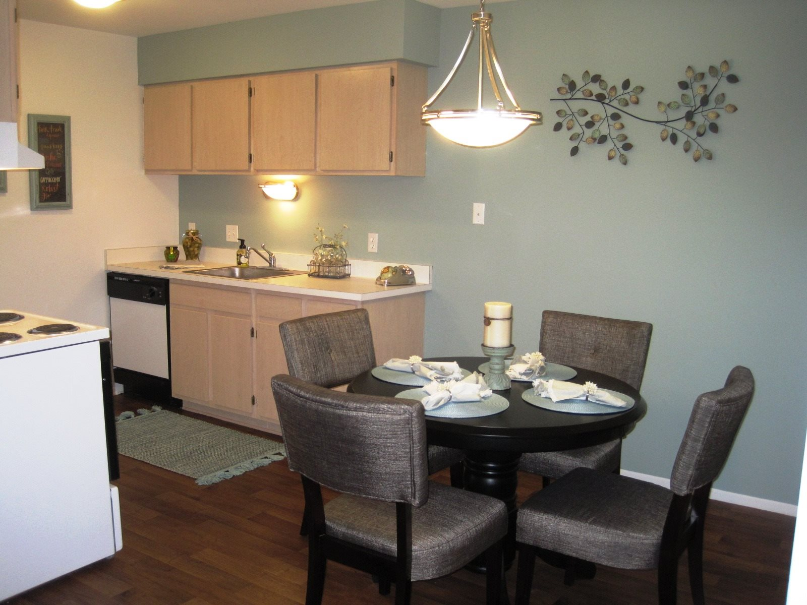 Dover hills apartments in kalamazoo mi 269 216 4 for One bedroom apartments kalamazoo mi