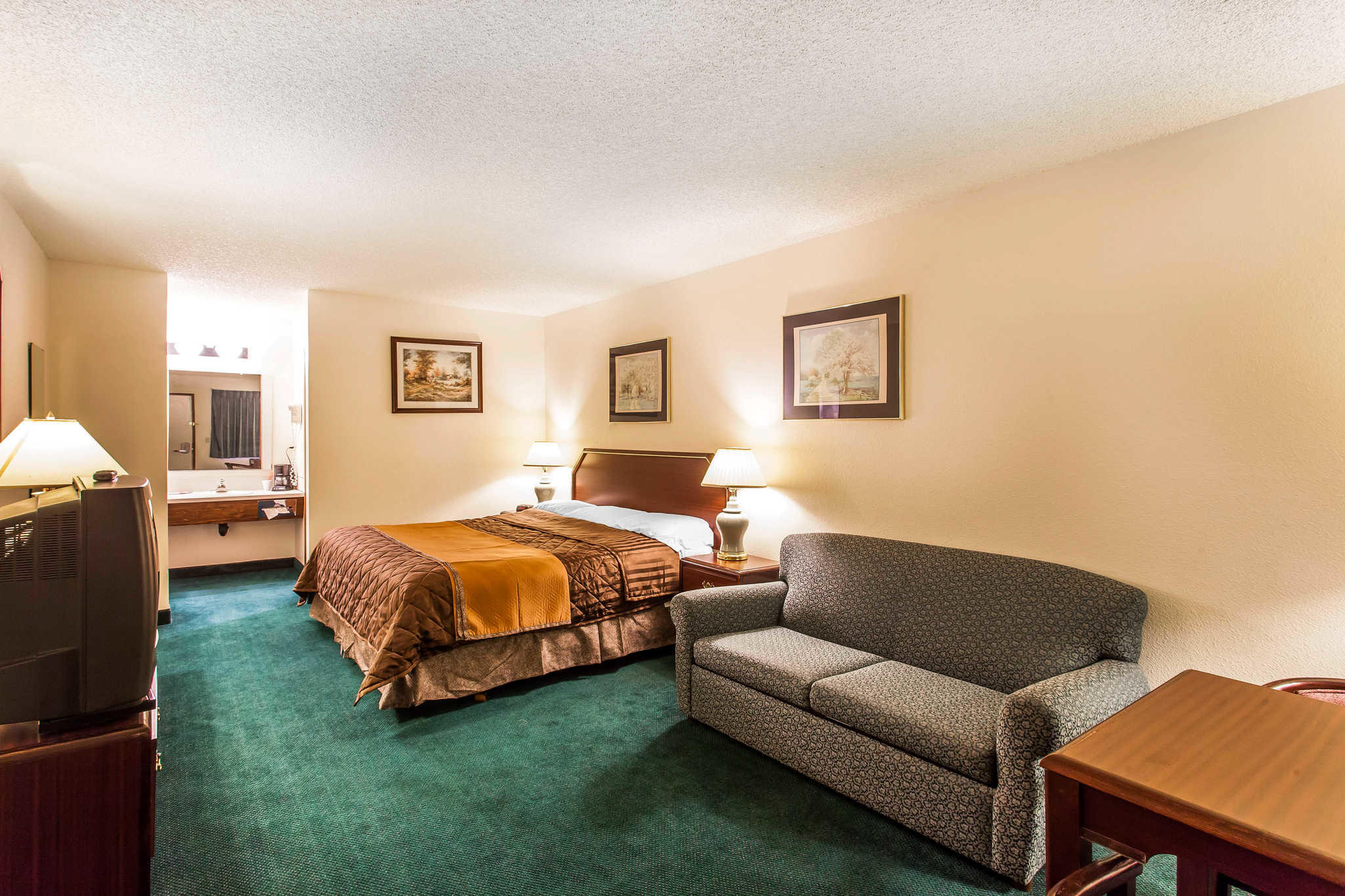Econo Lodge image 12